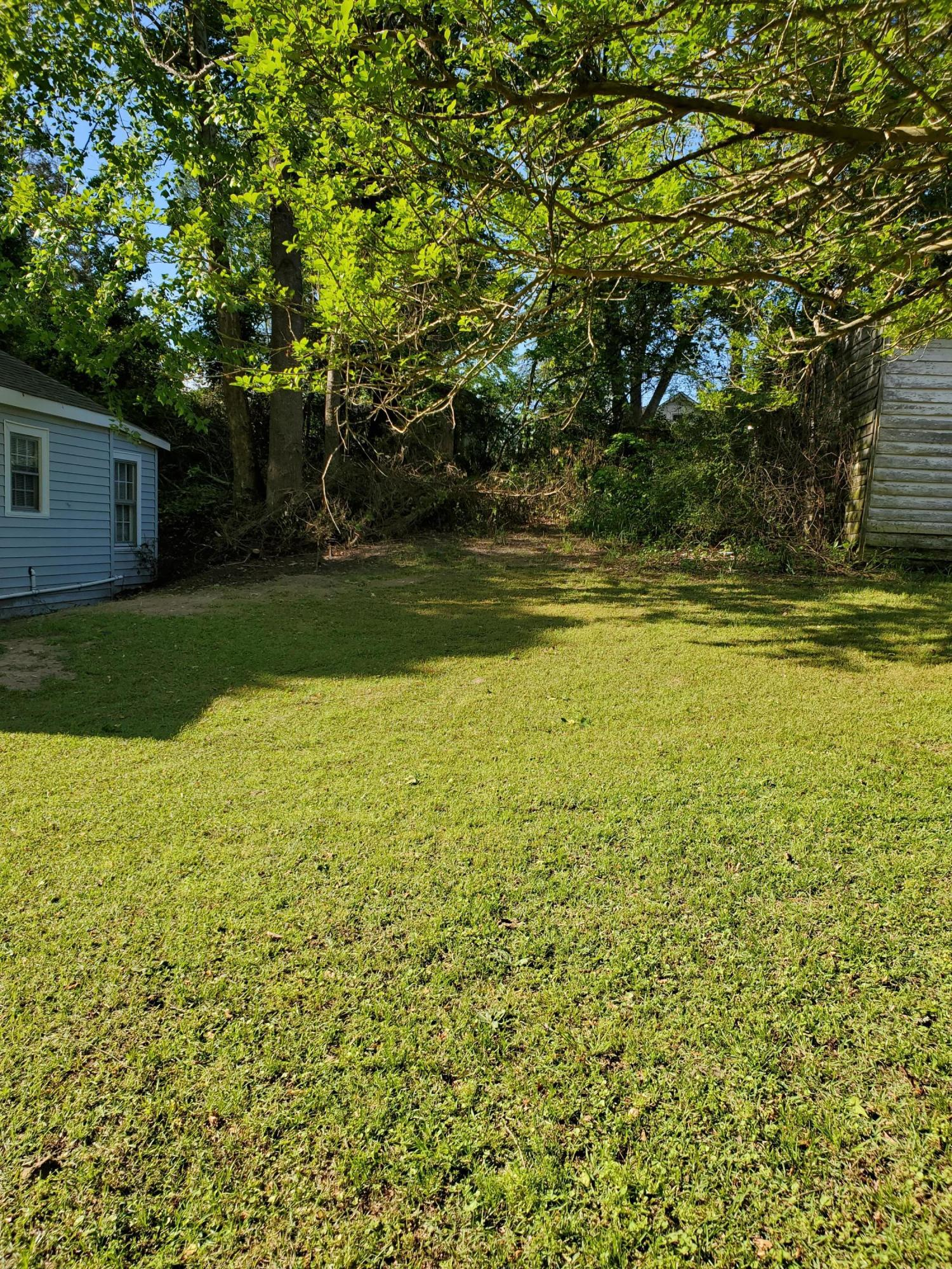 305 Mulberry Street, Williamston, North Carolina 27892, 2 Bedrooms Bedrooms, 6 Rooms Rooms,1 BathroomBathrooms,Single family residence,For sale,Mulberry,100216287