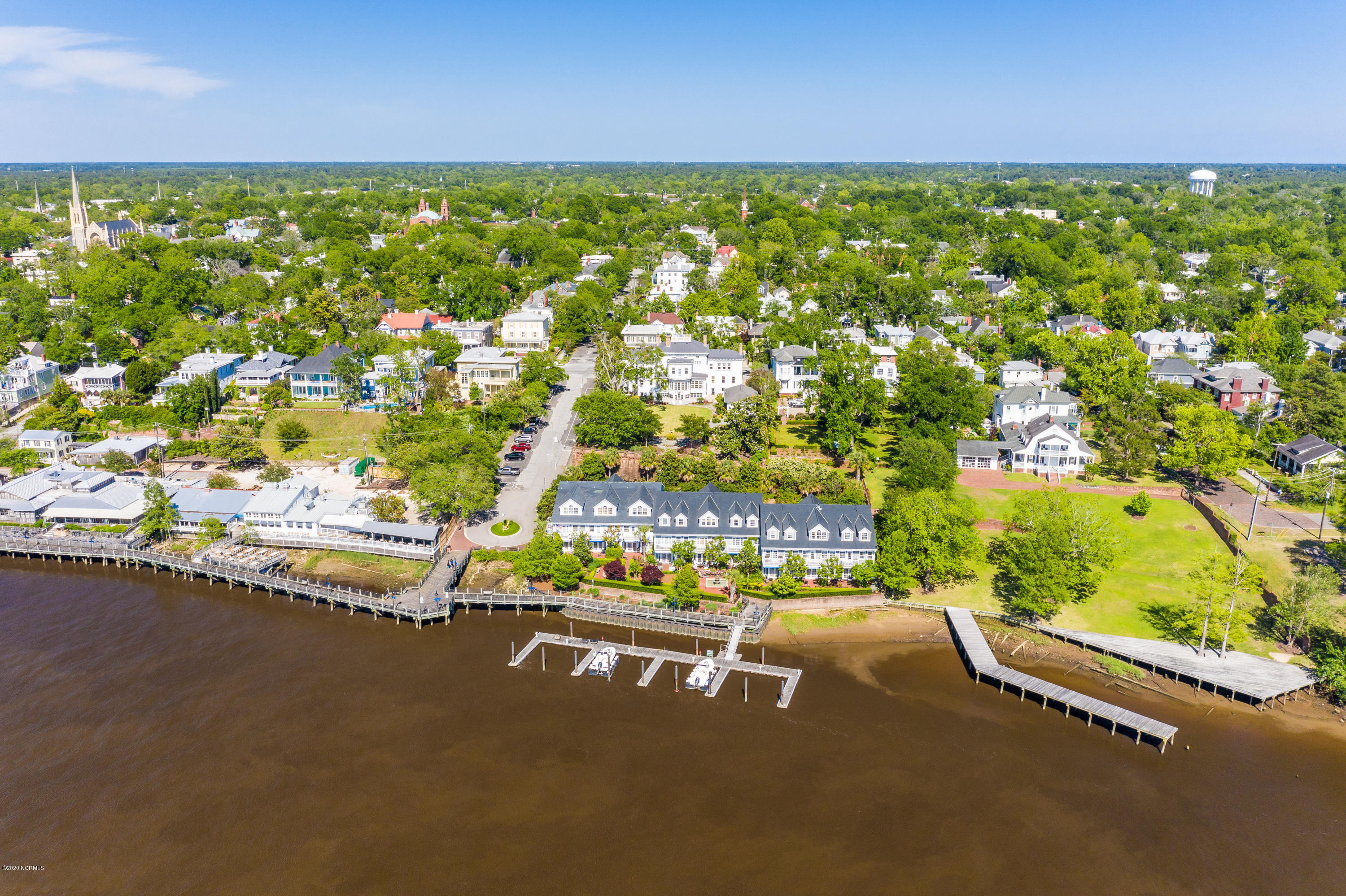 400 Front Street, Wilmington, North Carolina 28401, 7 Bedrooms Bedrooms, 23 Rooms Rooms,6 BathroomsBathrooms,Single family residence,For sale,Front,100217024