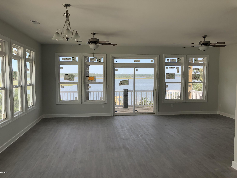 130 A Fairy Tale Lane, Surf City, North Carolina 28445, 4 Bedrooms Bedrooms, 6 Rooms Rooms,3 BathroomsBathrooms,Townhouse,For sale,Fairy Tale Lane,100126823