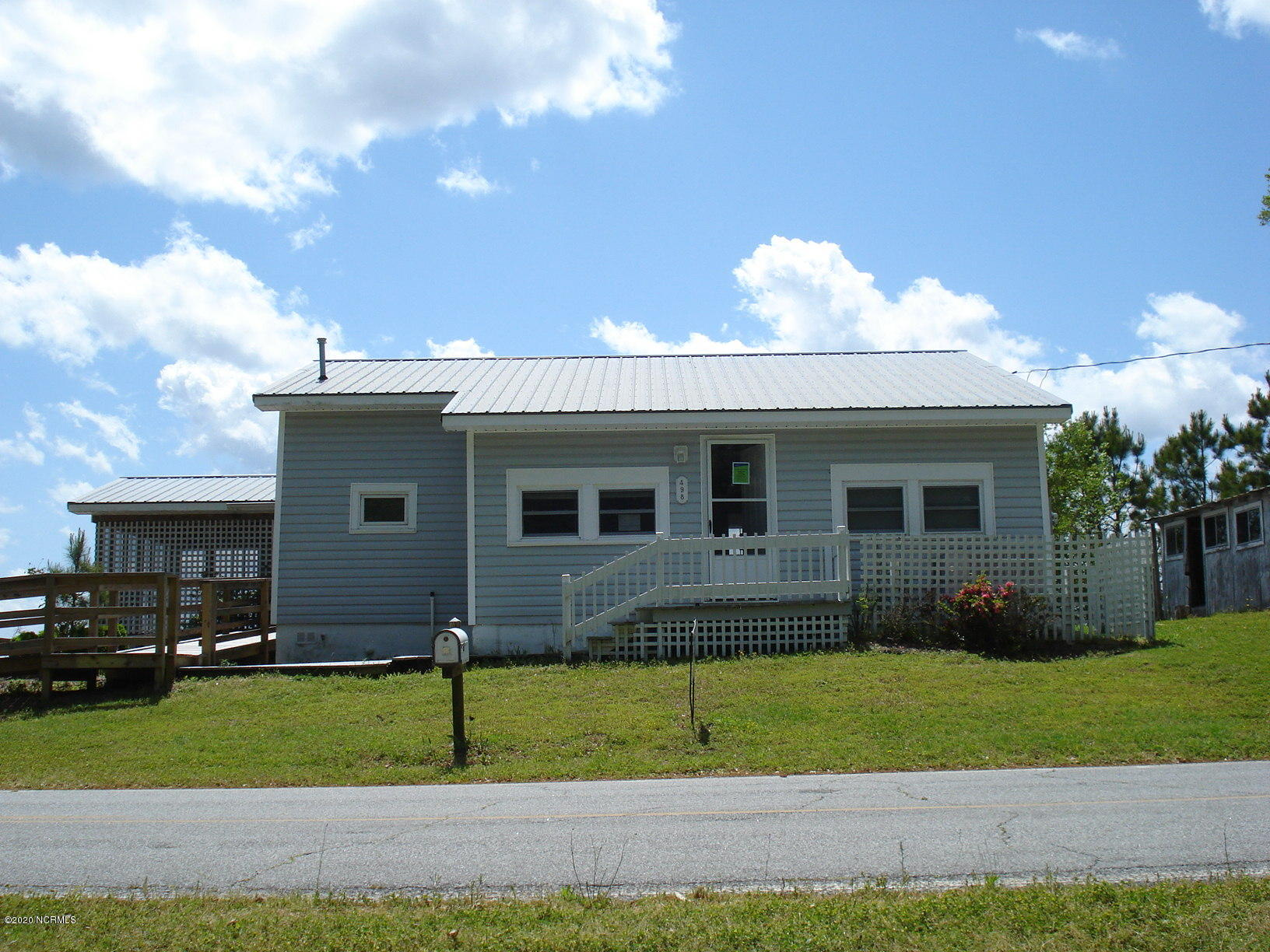 498 Old Pamlico Beach Road, Belhaven, North Carolina 27810, 2 Bedrooms Bedrooms, 5 Rooms Rooms,1 BathroomBathrooms,Single family residence,For sale,Old Pamlico Beach,100179588