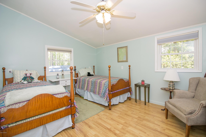 74 Ravenwood Lane, Belhaven, North Carolina 27810, 3 Bedrooms Bedrooms, 8 Rooms Rooms,2 BathroomsBathrooms,Single family residence,For sale,Ravenwood,100216476