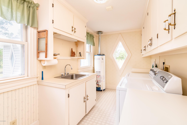 37705 Us Highway 264, Belhaven, North Carolina 27810, 4 Bedrooms Bedrooms, 9 Rooms Rooms,2 BathroomsBathrooms,Single family residence,For sale,Us Highway 264,100159895