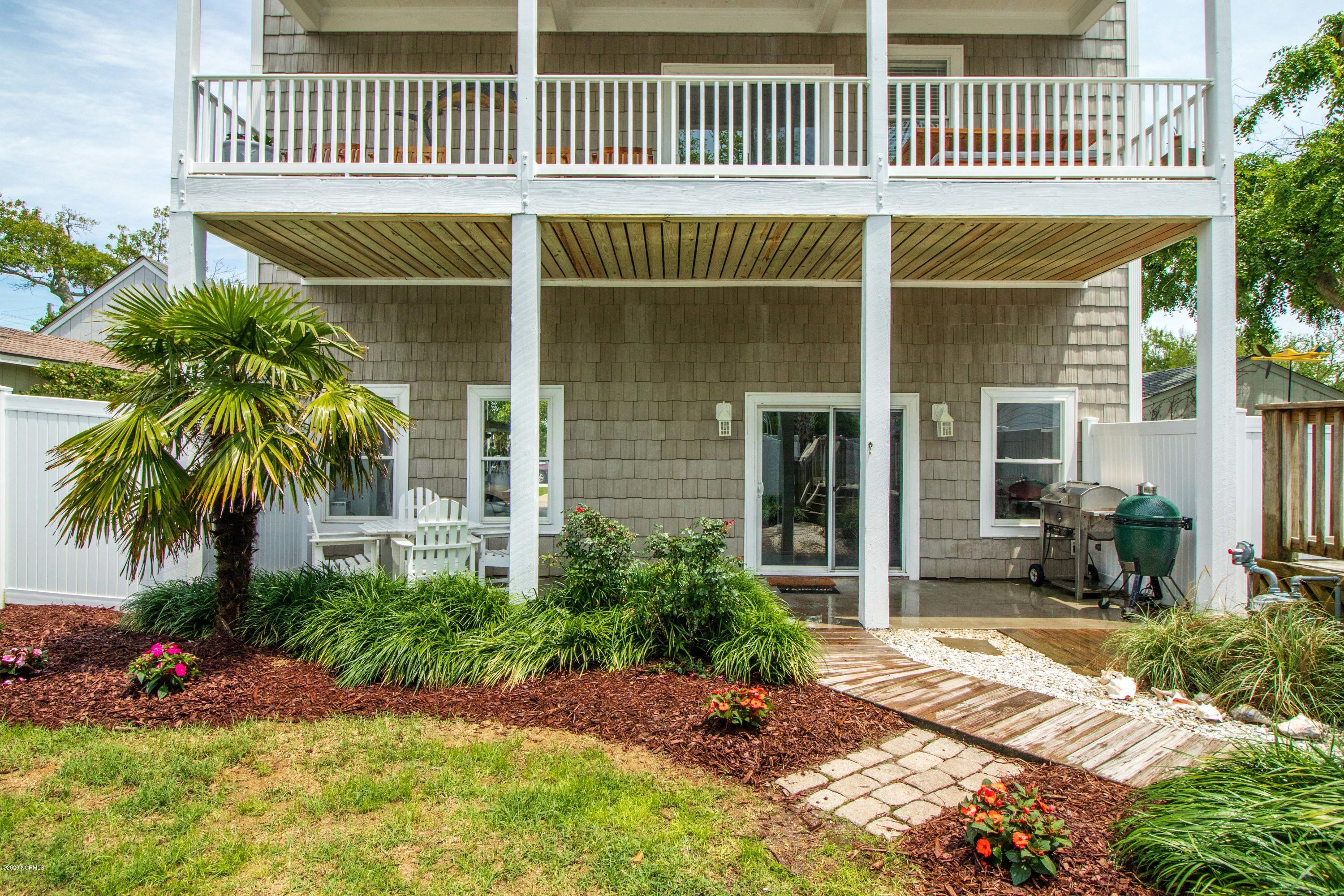 204 18th Street, Morehead City, North Carolina 28557, 3 Bedrooms Bedrooms, 9 Rooms Rooms,2 BathroomsBathrooms,Single family residence,For sale,18th,100218655