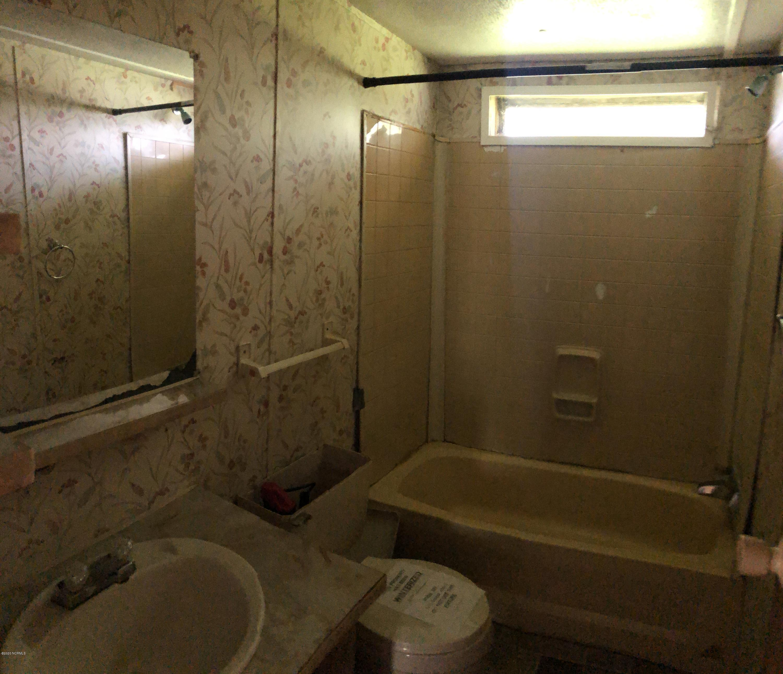697 Lyman Road, Beulaville, North Carolina 28518, 3 Bedrooms Bedrooms, 6 Rooms Rooms,2 BathroomsBathrooms,Manufactured home,For sale,Lyman,100219203