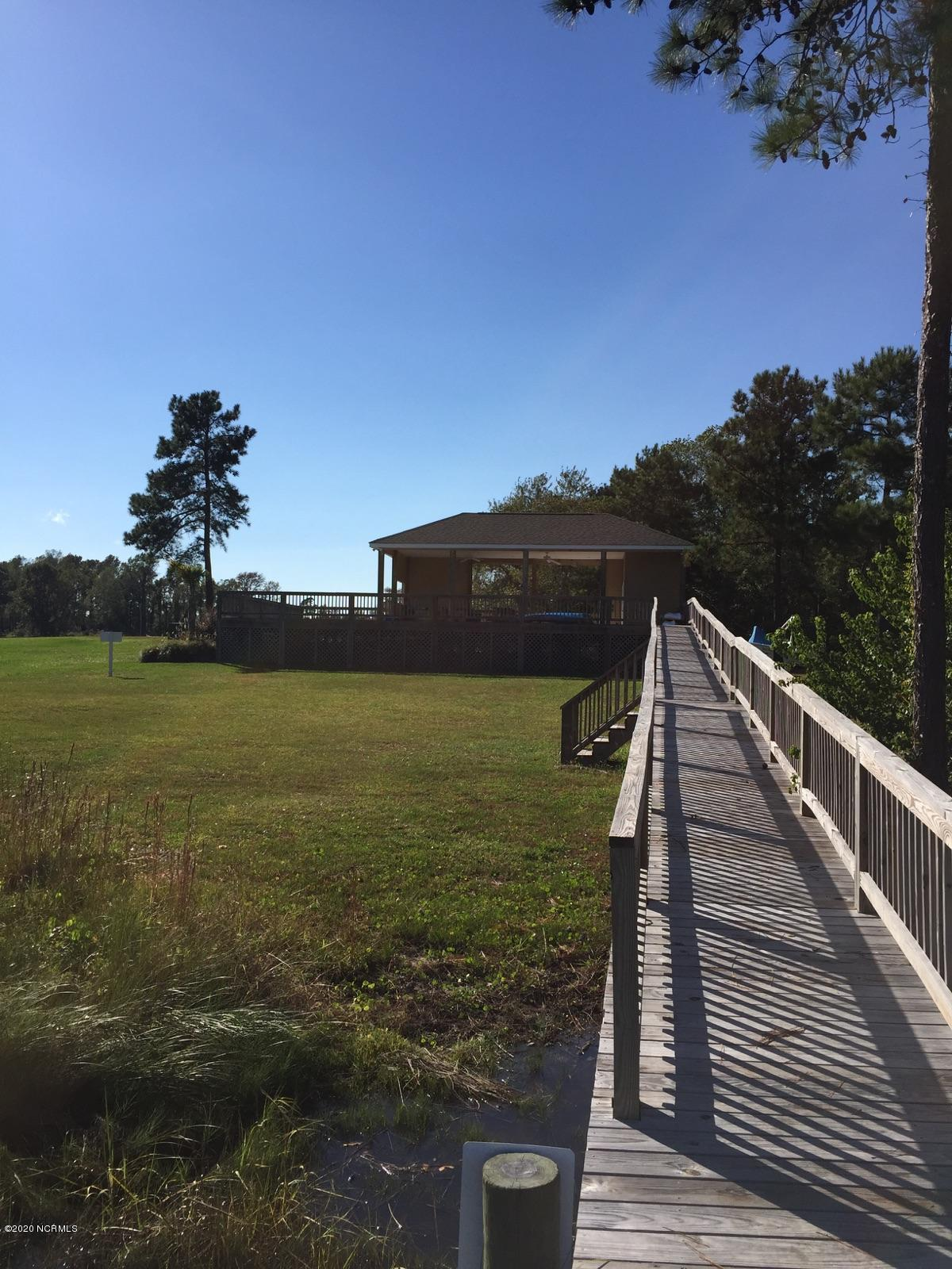 403 Garland Shores Drive, Swansboro, North Carolina 28584, 3 Bedrooms Bedrooms, 5 Rooms Rooms,2 BathroomsBathrooms,Single family residence,For sale,Garland Shores,100219411
