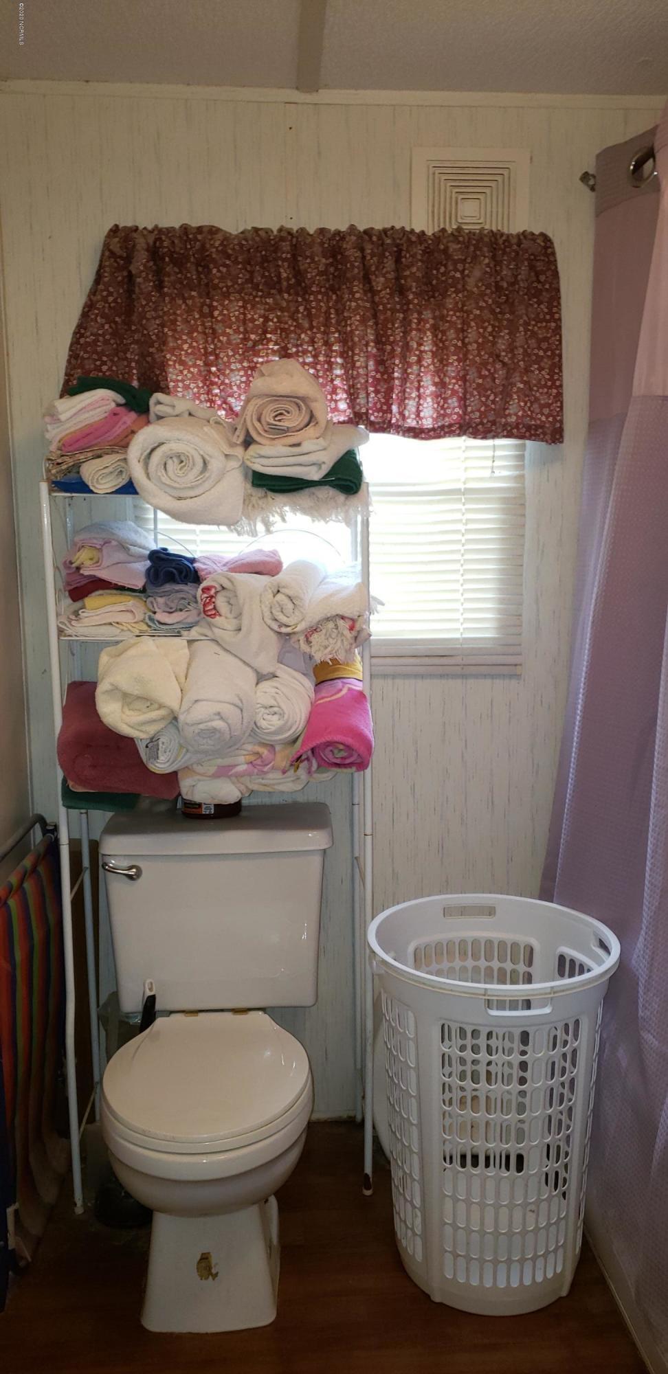 111 R & M Circle, Fremont, North Carolina 27830, 3 Bedrooms Bedrooms, 9 Rooms Rooms,2 BathroomsBathrooms,Manufactured home,For sale,R & M,100219575