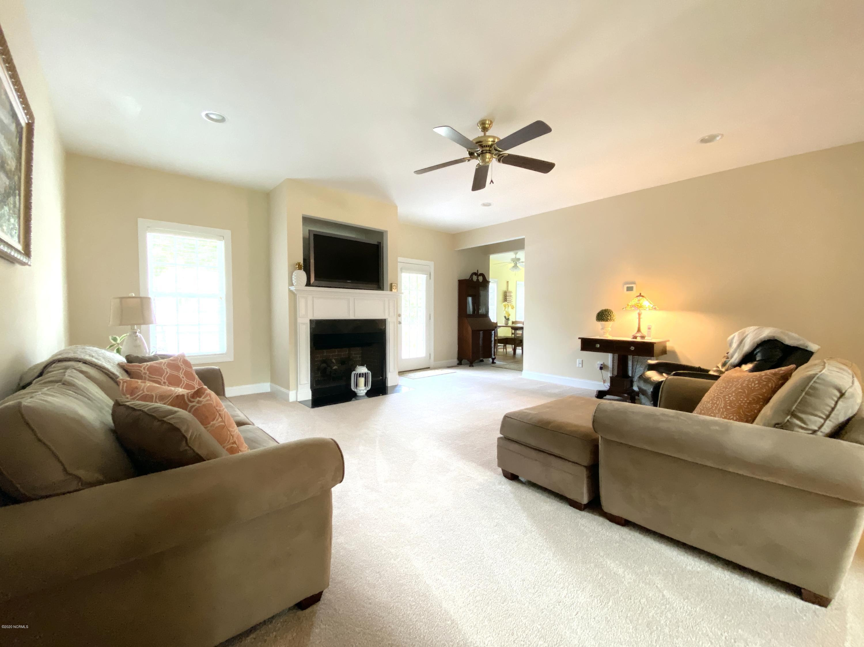 103 Gazebo Way, Hampstead, North Carolina 28443, 4 Bedrooms Bedrooms, 12 Rooms Rooms,3 BathroomsBathrooms,Single family residence,For sale,Gazebo,100163200