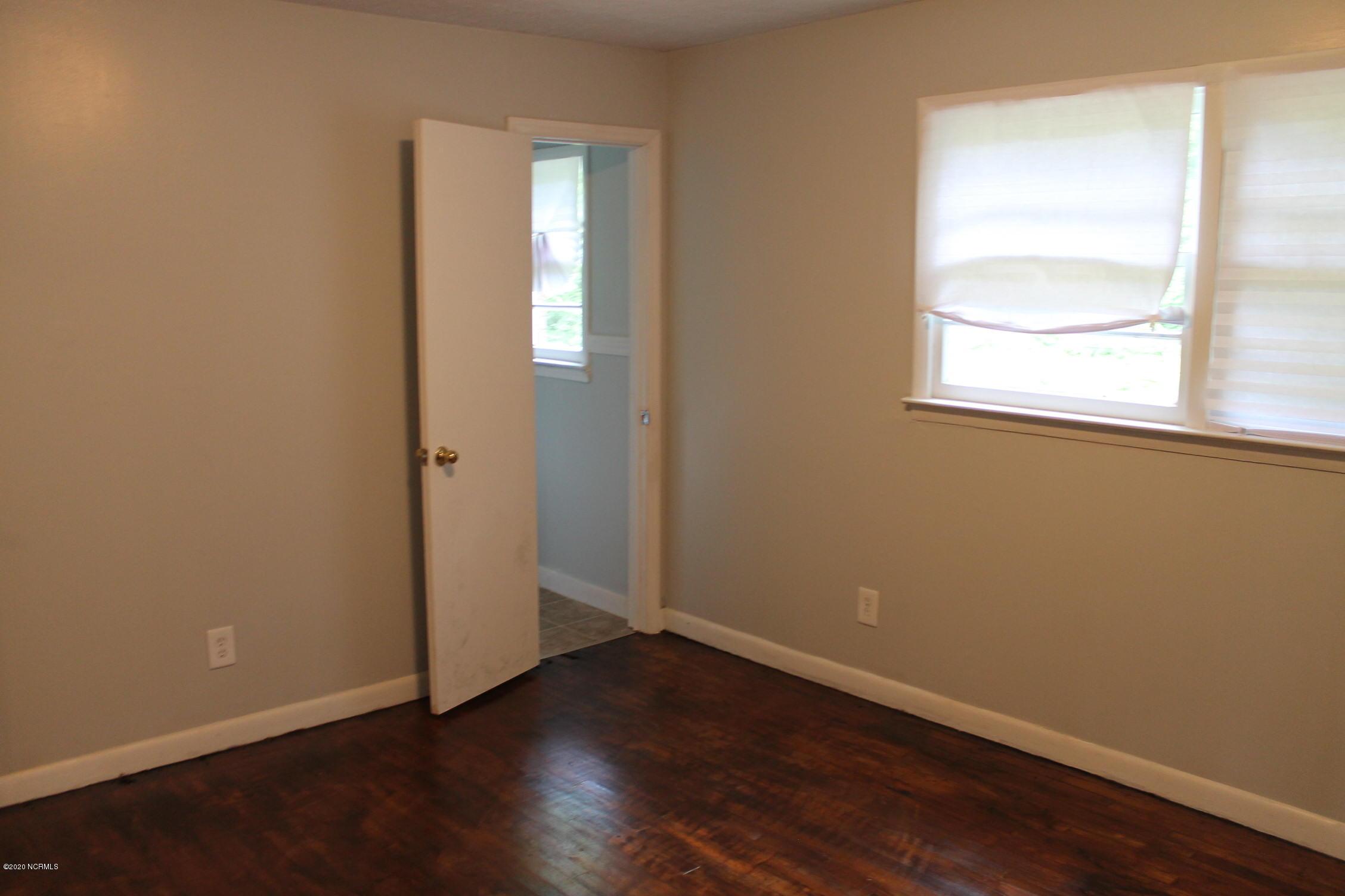 88 Thomas Avenue, Chadbourn, North Carolina 28431, 3 Bedrooms Bedrooms, 6 Rooms Rooms,1 BathroomBathrooms,Single family residence,For sale,Thomas,100223472