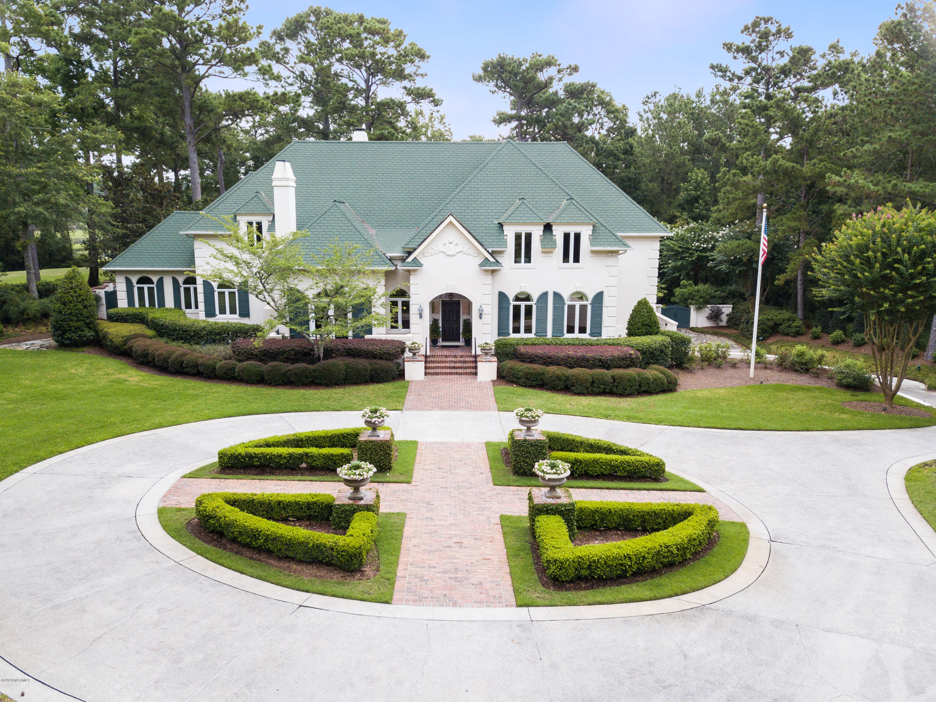 2044 Montrose Lane, Wilmington, North Carolina 28405, 5 Bedrooms Bedrooms, 15 Rooms Rooms,6 BathroomsBathrooms,Single family residence,For sale,Montrose,100206003