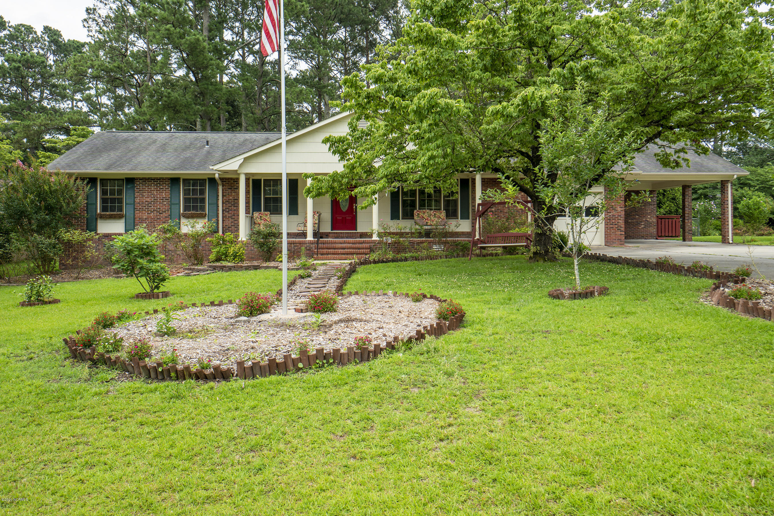 211 Rockledge Road, New Bern, North Carolina 28562, 3 Bedrooms Bedrooms, 9 Rooms Rooms,2 BathroomsBathrooms,Single family residence,For sale,Rockledge,100223690