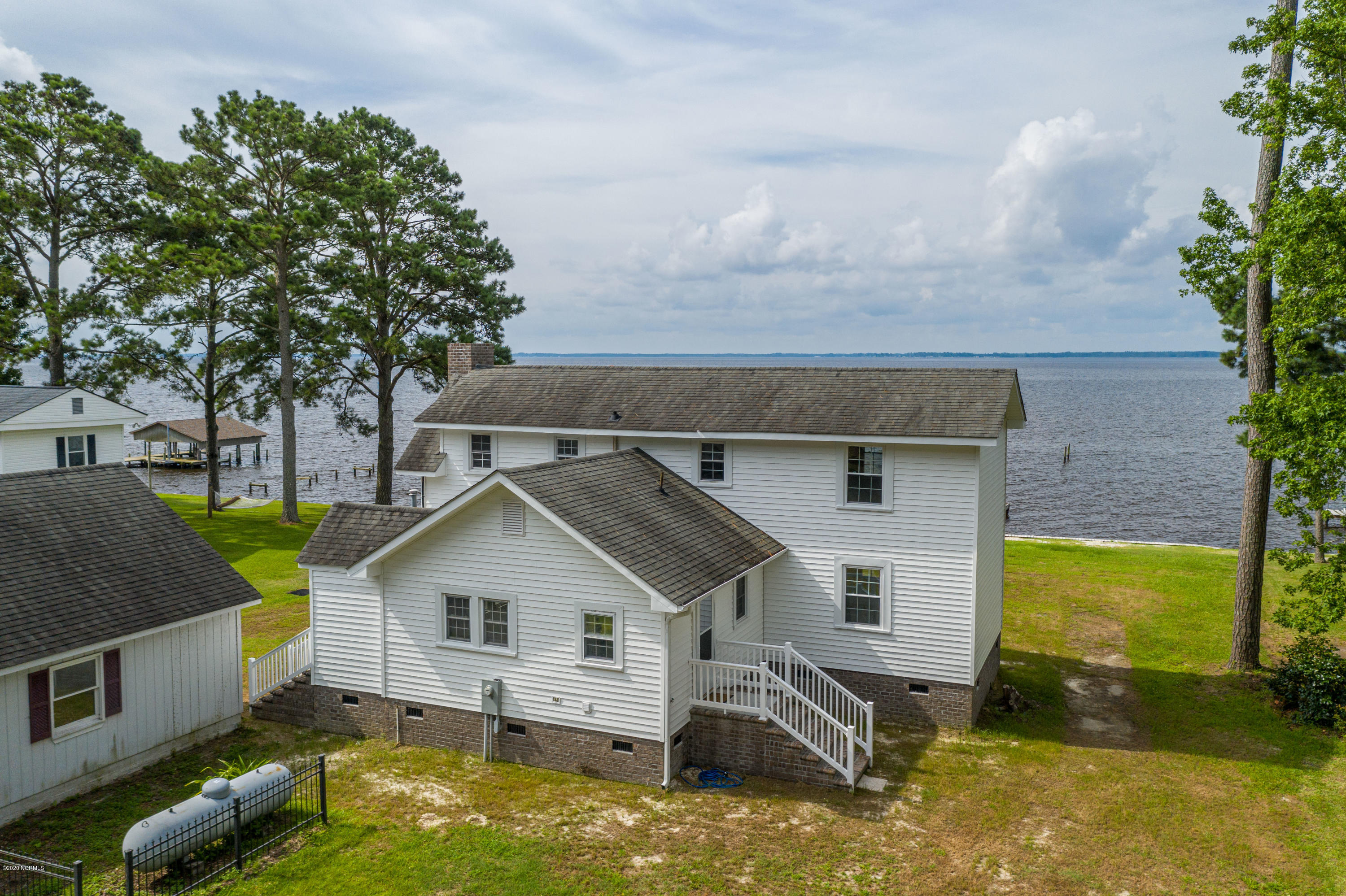 561 Island View Road, Bath, North Carolina 27808, 3 Bedrooms Bedrooms, 6 Rooms Rooms,2 BathroomsBathrooms,Single family residence,For sale,Island View,100227247