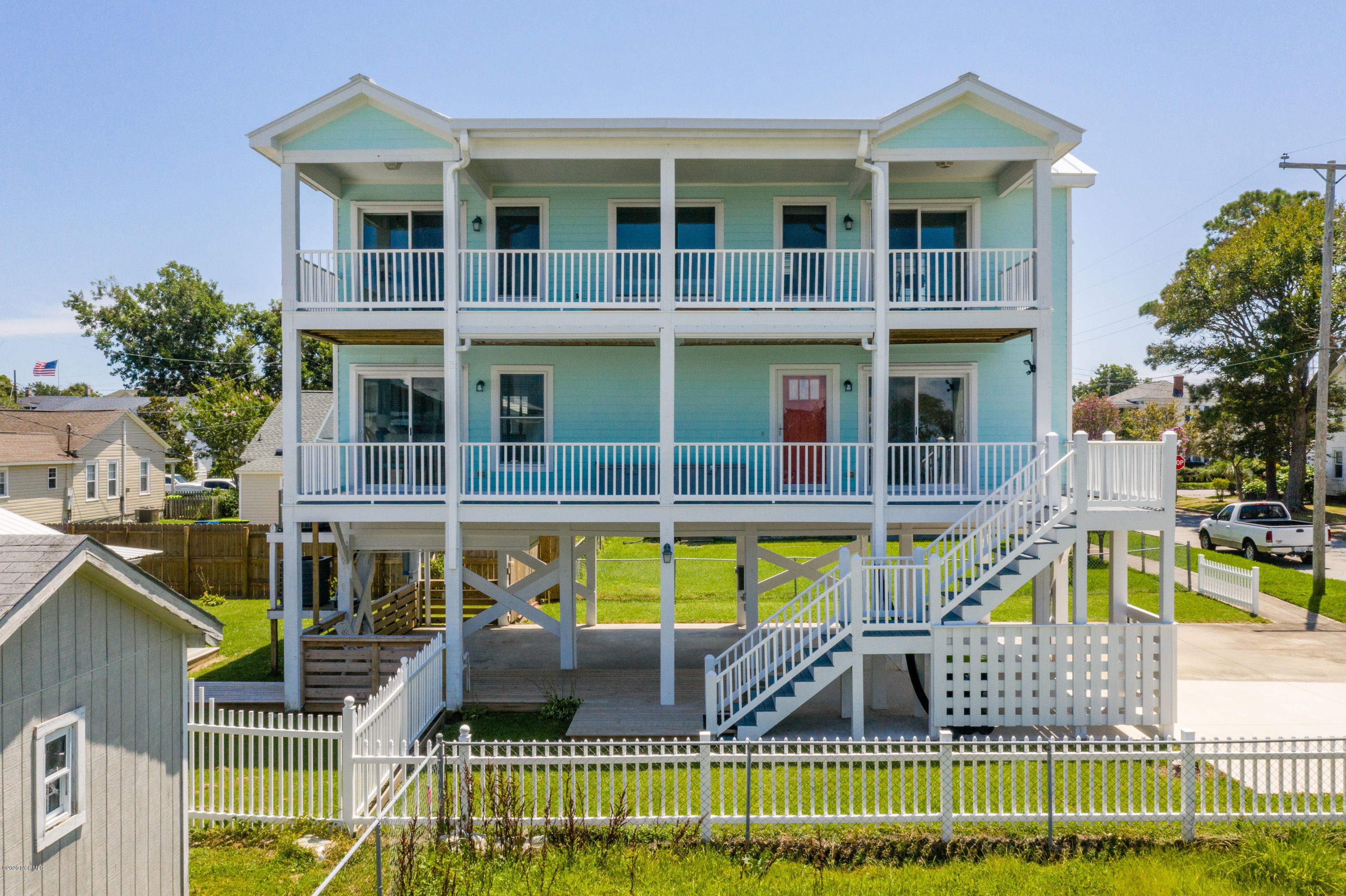 304 8th Street, Morehead City, North Carolina 28557, 2 Bedrooms Bedrooms, 5 Rooms Rooms,2 BathroomsBathrooms,Single family residence,For sale,8th,100228159