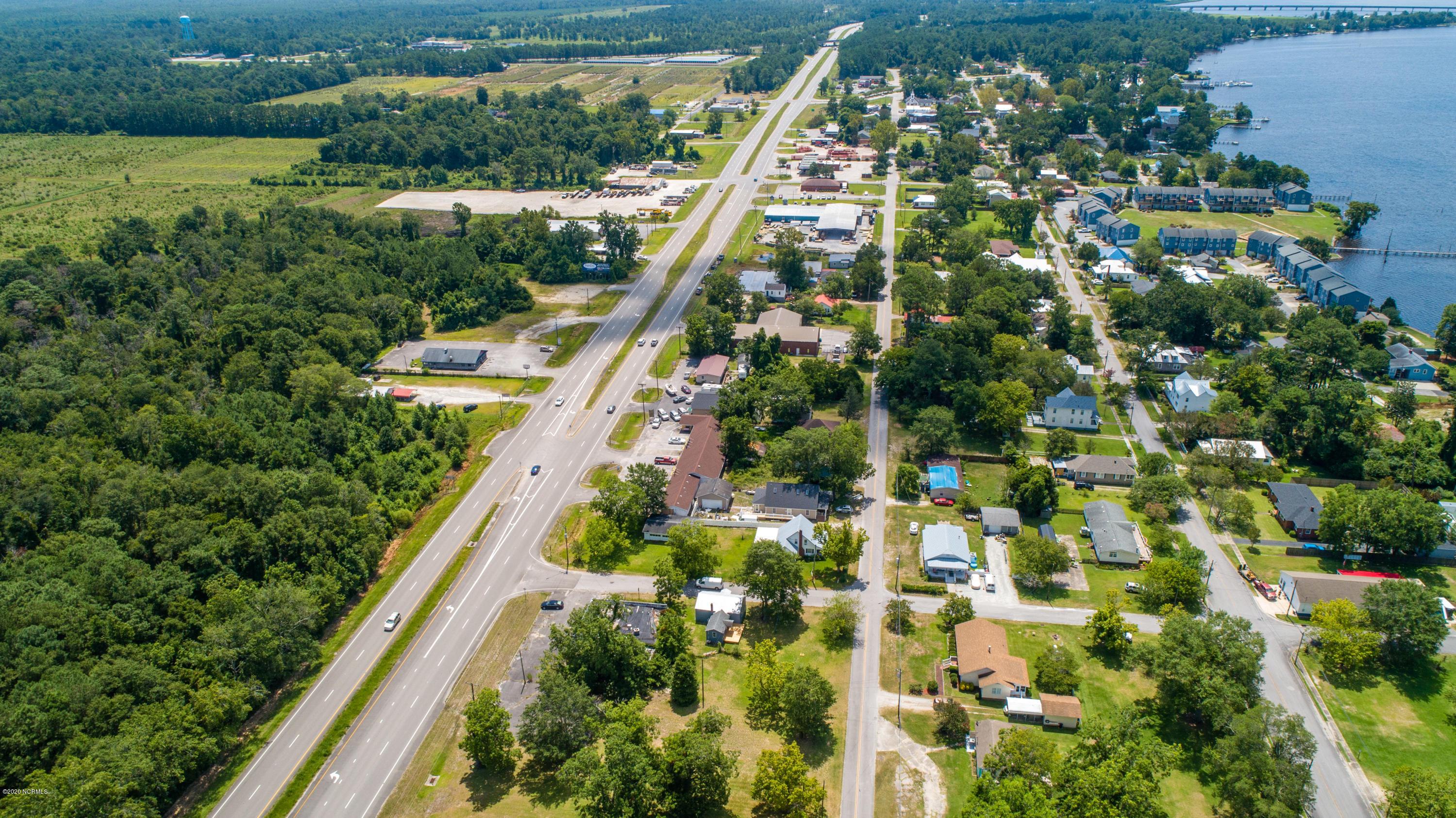 813 Us Highway 17, New Bern, North Carolina 28560, ,For sale,Us Highway 17,100228310