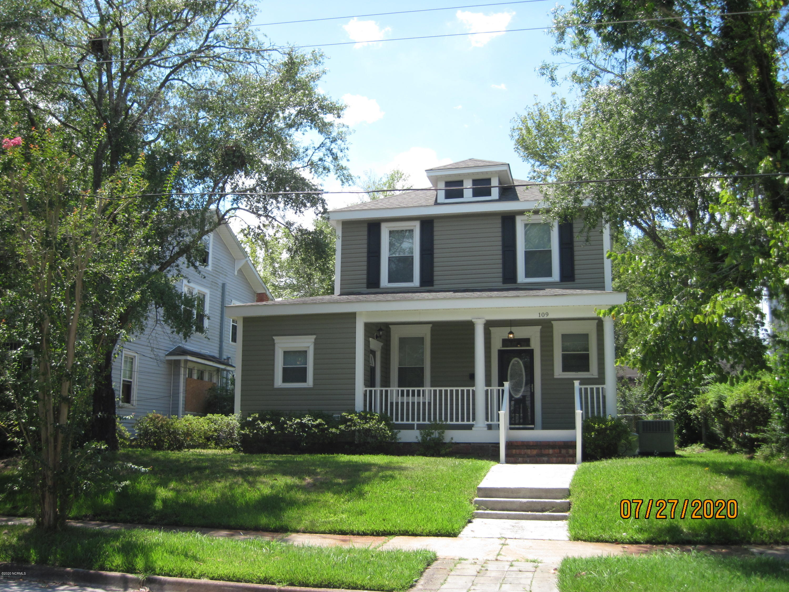 109 13th Street, Wilmington, North Carolina 28401, 3 Bedrooms Bedrooms, 9 Rooms Rooms,2 BathroomsBathrooms,Single family residence,For sale,13th,100229045