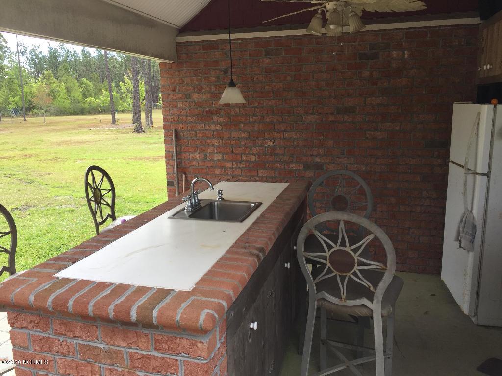 333 Sandhills Drive, Newport, North Carolina 28570, 3 Bedrooms Bedrooms, 9 Rooms Rooms,3 BathroomsBathrooms,Single family residence,For sale,Sandhills,100229139