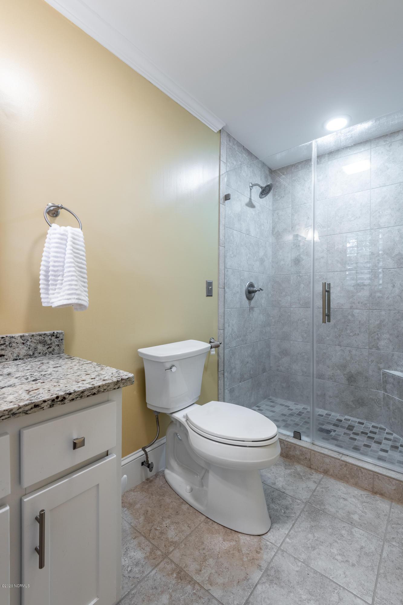 302 Dupont Circle, Greenville, North Carolina 27858, 4 Bedrooms Bedrooms, 9 Rooms Rooms,3 BathroomsBathrooms,Single family residence,For sale,Dupont,100219247