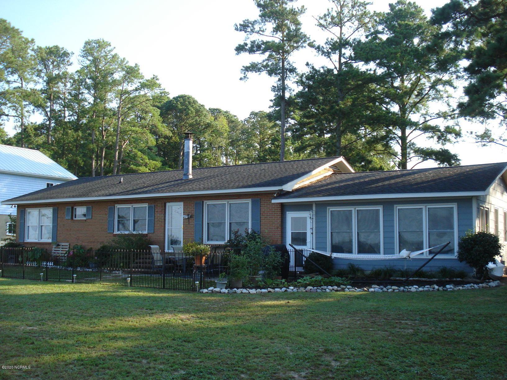 304 Sunnyside Drive, Washington, North Carolina 27889, 3 Bedrooms Bedrooms, 6 Rooms Rooms,2 BathroomsBathrooms,Single family residence,For sale,Sunnyside,100223586