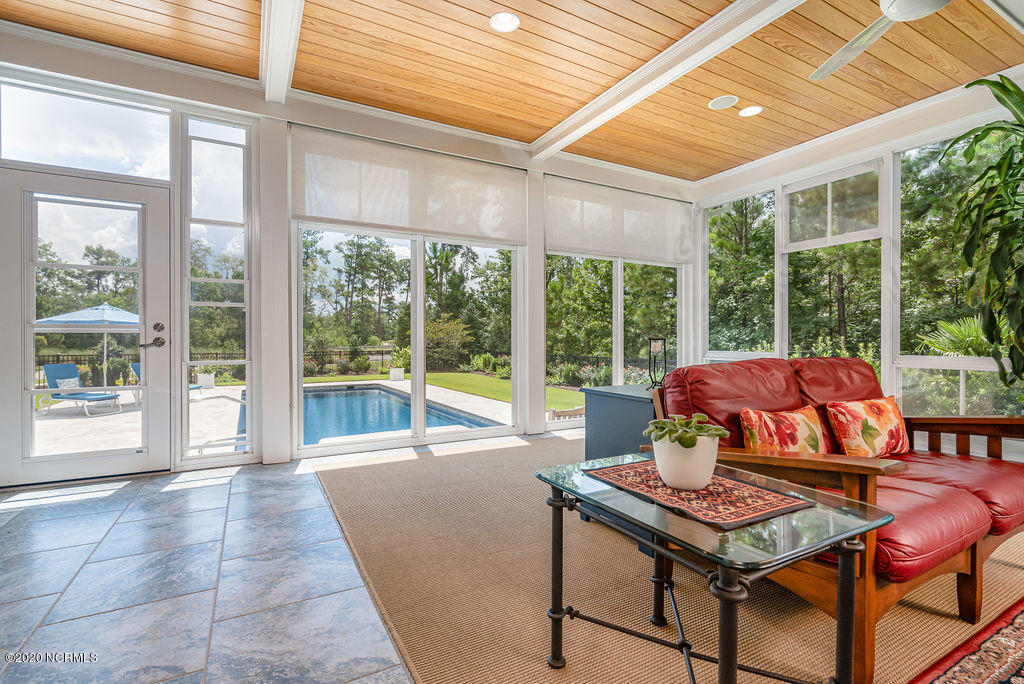 1042 Carberry Lane, Leland, North Carolina 28451, 5 Bedrooms Bedrooms, 10 Rooms Rooms,4 BathroomsBathrooms,Single family residence,For sale,Carberry,100230975