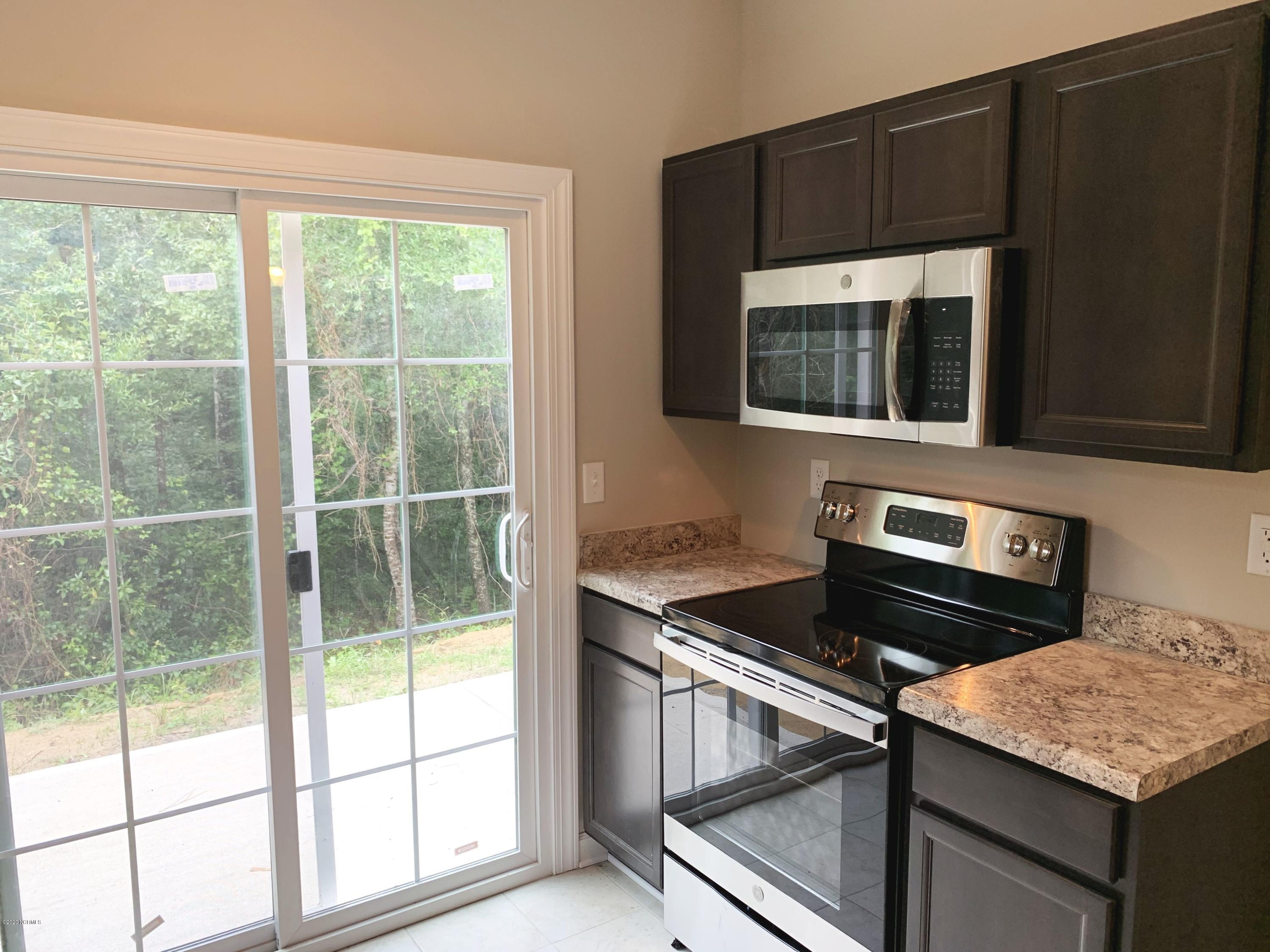 9326 Straightway Drive, Leland, North Carolina 28451, 3 Bedrooms Bedrooms, 6 Rooms Rooms,2 BathroomsBathrooms,Single family residence,For sale,Straightway,100191051