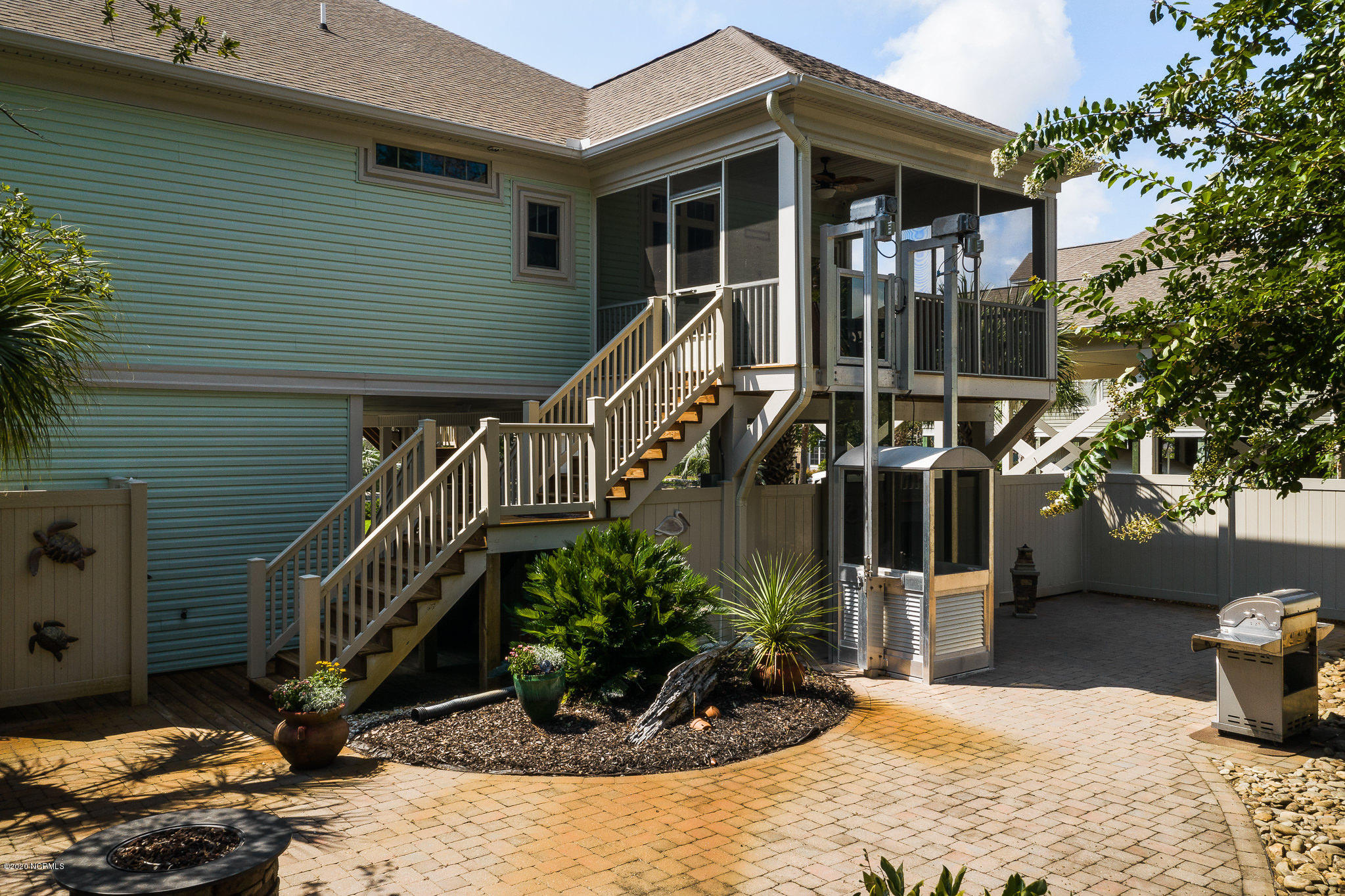 134 29th Street, Oak Island, North Carolina 28465, 3 Bedrooms Bedrooms, 8 Rooms Rooms,3 BathroomsBathrooms,Single family residence,For sale,29th,100231096