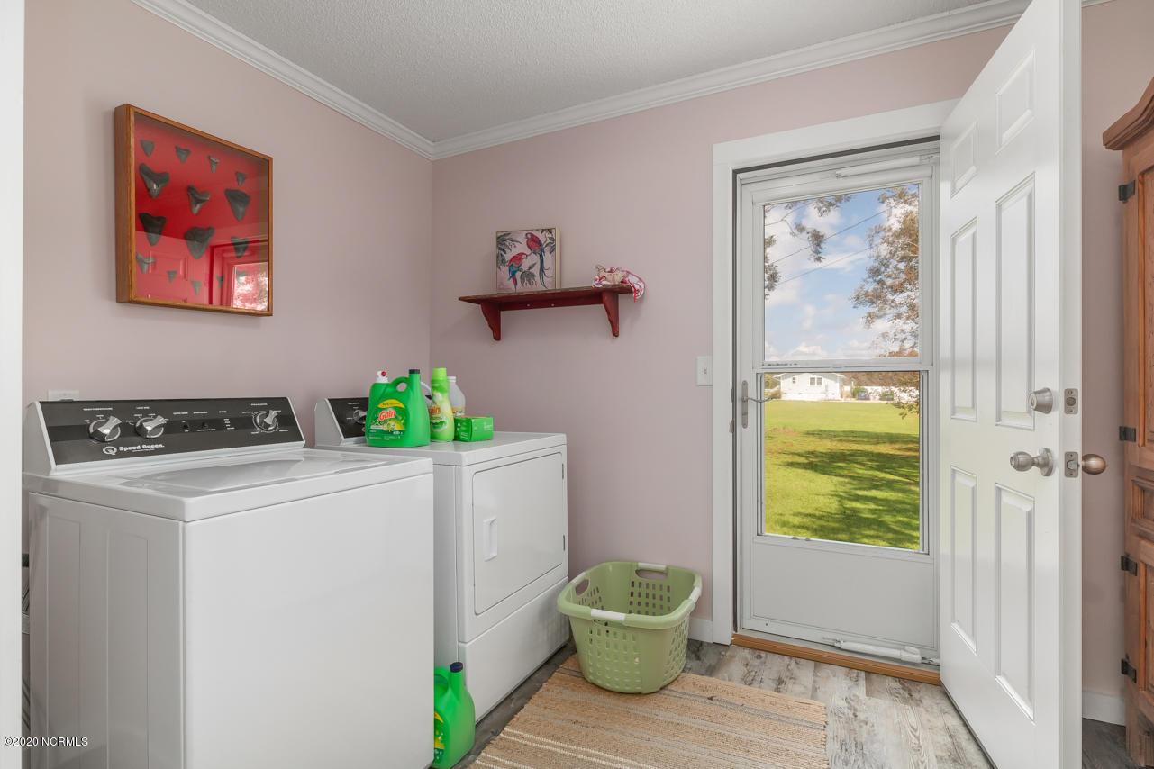 241 Shell Rock Landing Road, Hubert, North Carolina 28539, 2 Bedrooms Bedrooms, 8 Rooms Rooms,3 BathroomsBathrooms,Single family residence,For sale,Shell Rock Landing,100231258