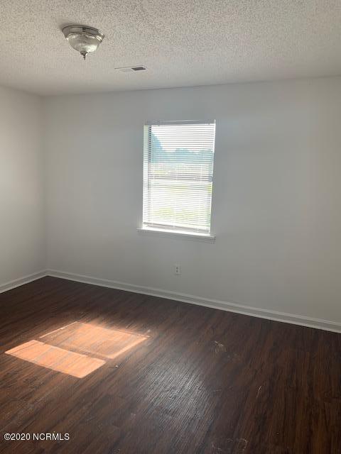 2111 3rd Street, Greenville, North Carolina 27858, 2 Bedrooms Bedrooms, 5 Rooms Rooms,2 BathroomsBathrooms,Townhouse,For sale,3rd,100231513