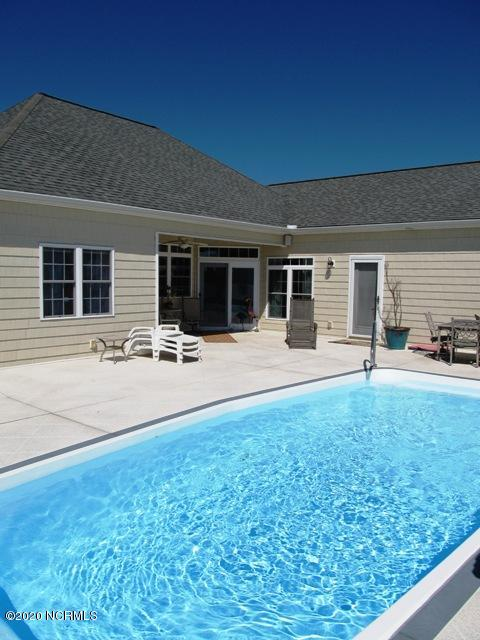 105 Barkside Lane, New Bern, North Carolina 28562, 4 Bedrooms Bedrooms, 7 Rooms Rooms,3 BathroomsBathrooms,Single family residence,For sale,Barkside,100231585