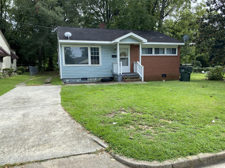 809 Dixon Street, Kinston, North Carolina 28501, 2 Bedrooms Bedrooms, 6 Rooms Rooms,1 BathroomBathrooms,Single family residence,For sale,Dixon,100233256