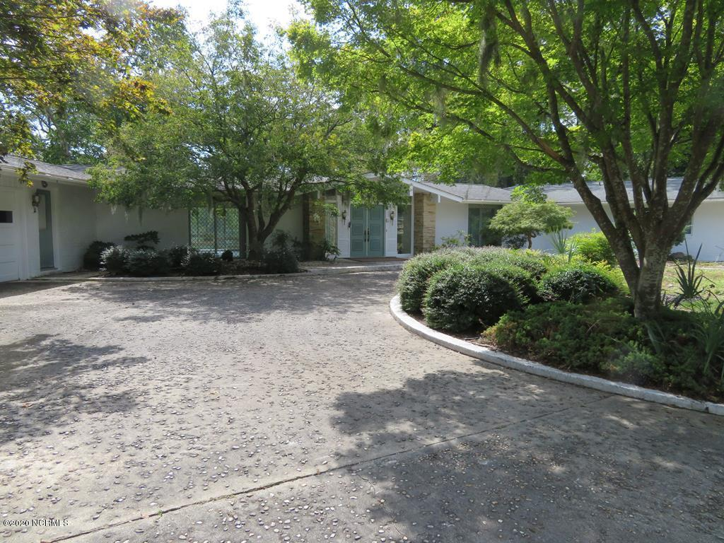 308 Shoreline Drive, New Bern, North Carolina 28562, 4 Bedrooms Bedrooms, 14 Rooms Rooms,4 BathroomsBathrooms,Single family residence,For sale,Shoreline,100234212