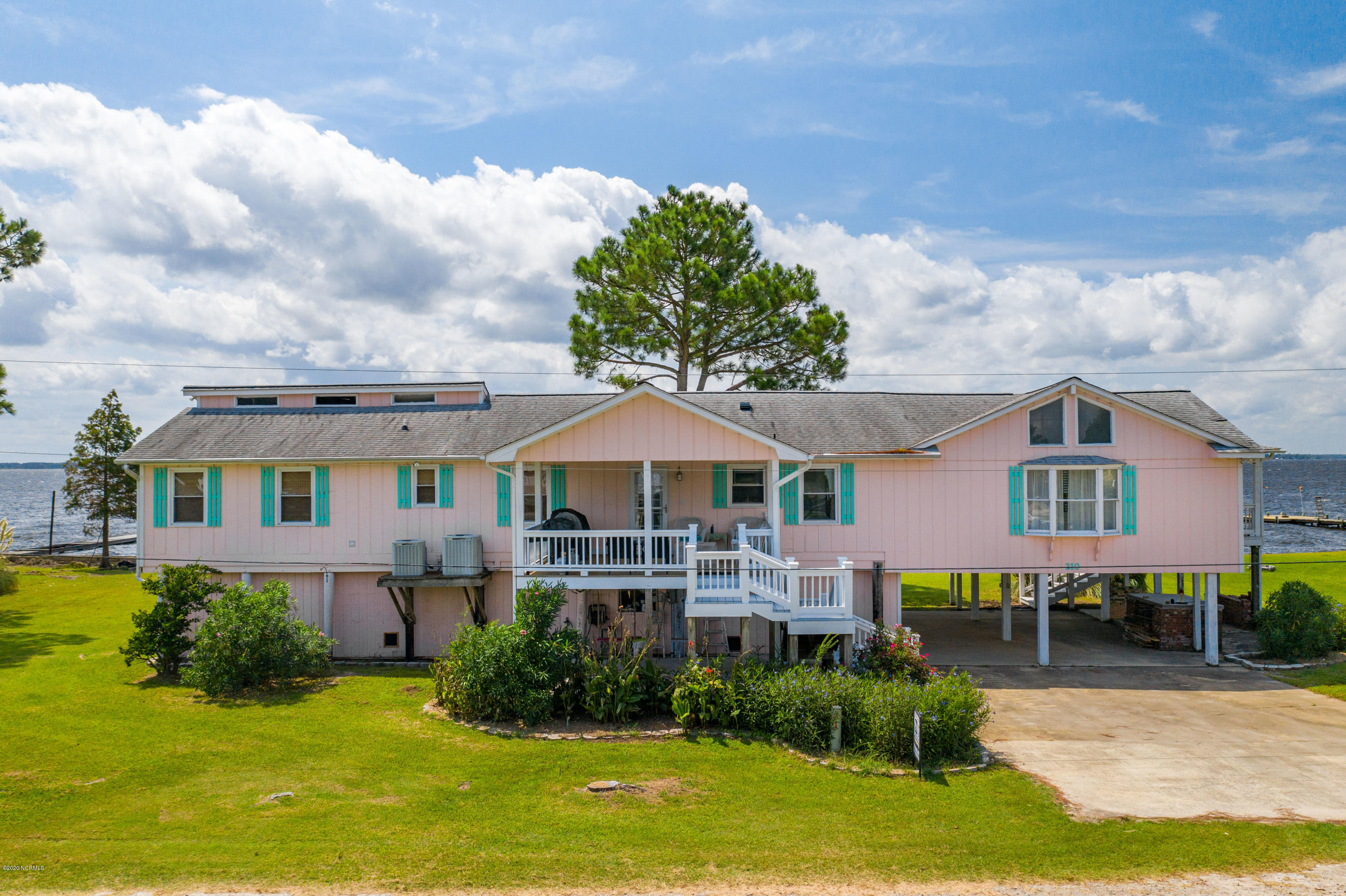 210 Queen Anne Drive, Bath, North Carolina 27808, 3 Bedrooms Bedrooms, 8 Rooms Rooms,2 BathroomsBathrooms,Single family residence,For sale,Queen Anne,100234766