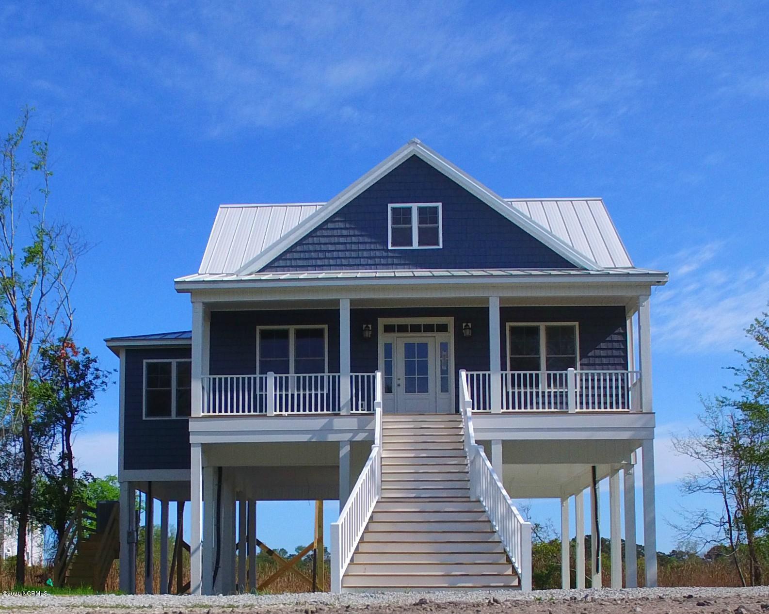 104 Bayside Drive, New Bern, North Carolina 28560, 3 Bedrooms Bedrooms, 6 Rooms Rooms,2 BathroomsBathrooms,Single family residence,For sale,Bayside,100240633