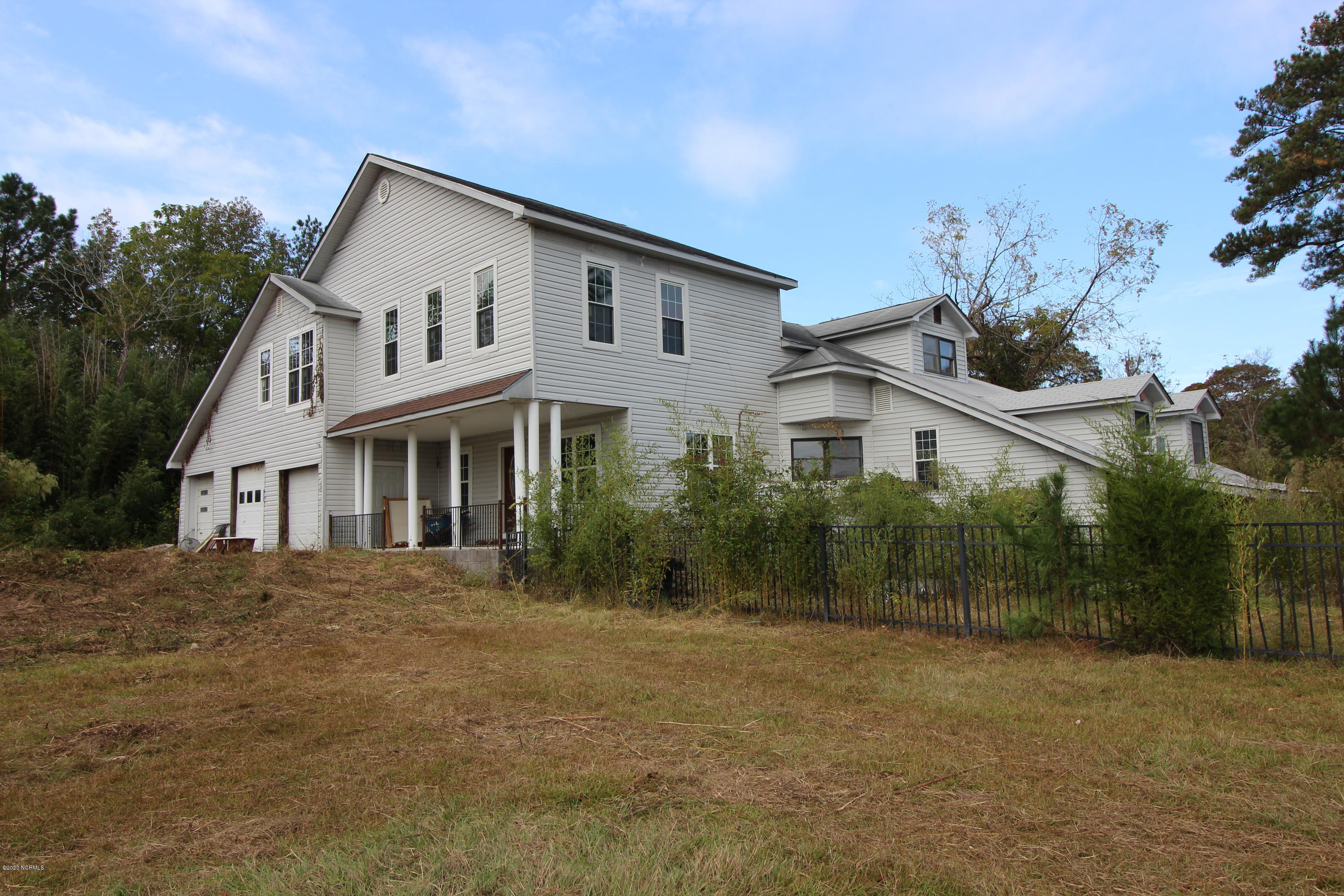 440 Clarks Neck Road, Washington, North Carolina 27889, 4 Bedrooms Bedrooms, 10 Rooms Rooms,3 BathroomsBathrooms,Single family residence,For sale,Clarks Neck,100243547