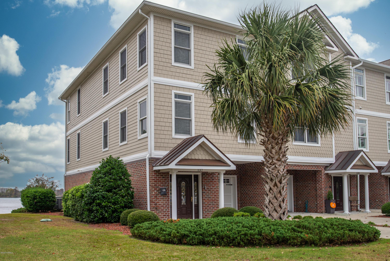 137 Dylan Lane, New Bern, North Carolina 28562, 3 Bedrooms Bedrooms, 5 Rooms Rooms,3 BathroomsBathrooms,Townhouse,For sale,Dylan,100245648