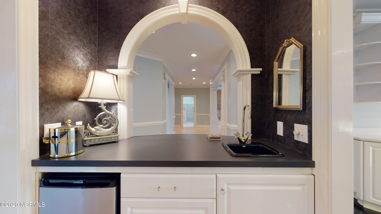700 Bremerton Drive, Greenville, North Carolina 27858, 5 Bedrooms Bedrooms, 12 Rooms Rooms,4 BathroomsBathrooms,Single family residence,For sale,Bremerton,100221349
