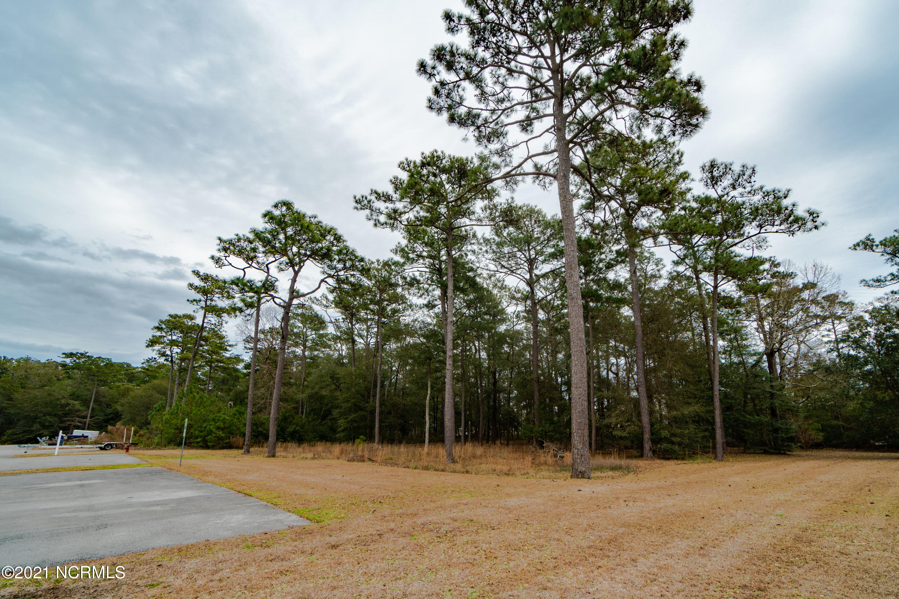 400 Lighthouse Lane, Swansboro, North Carolina 28584, ,For sale,Lighthouse,100052133