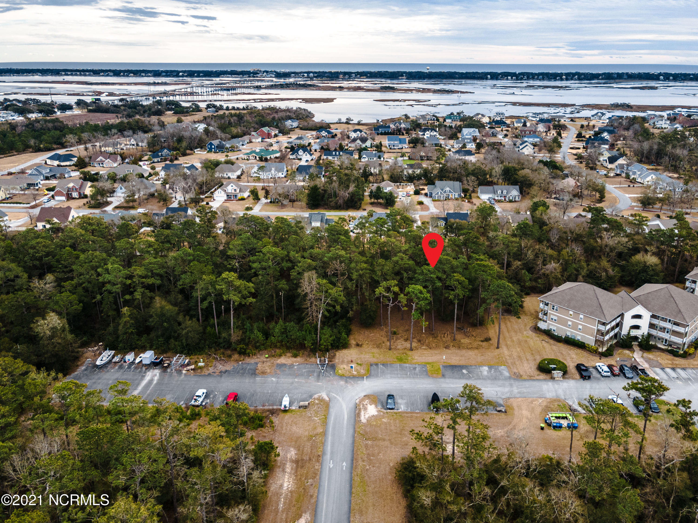 400 Lighthouse Lane, Swansboro, North Carolina 28584, ,5+ multi-family,For sale,Lighthouse,100052129