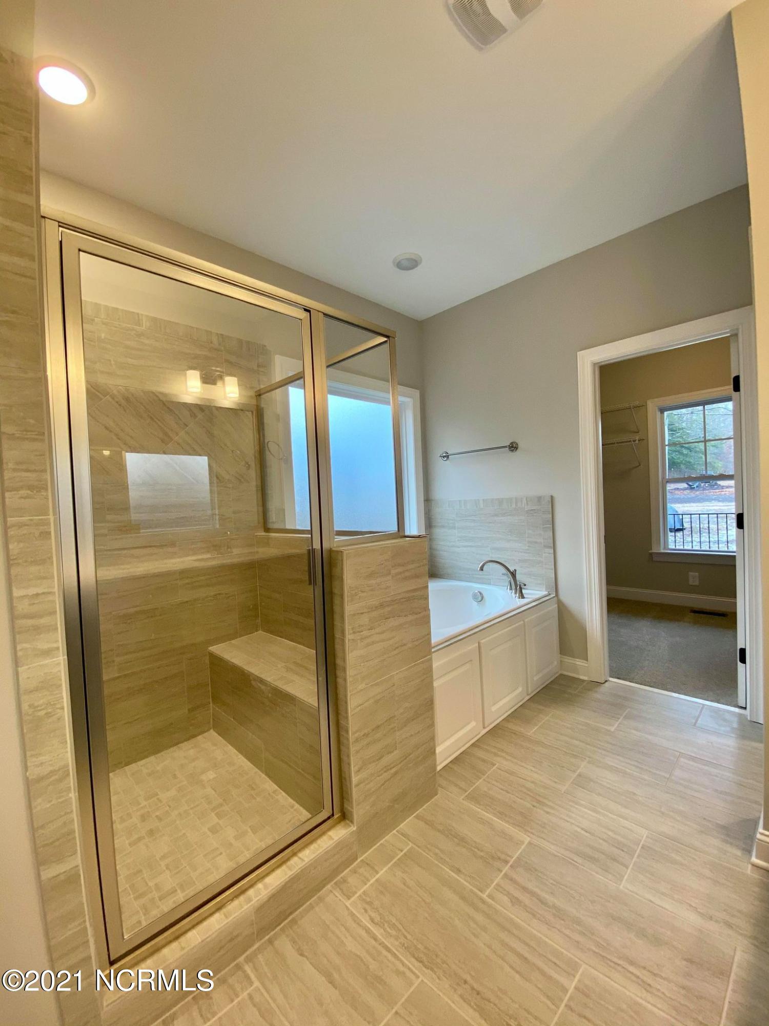 1627 Blue Heron Drive, Nashville, North Carolina 27856, 4 Bedrooms Bedrooms, 10 Rooms Rooms,3 BathroomsBathrooms,Single family residence,For sale,Blue Heron,100228989