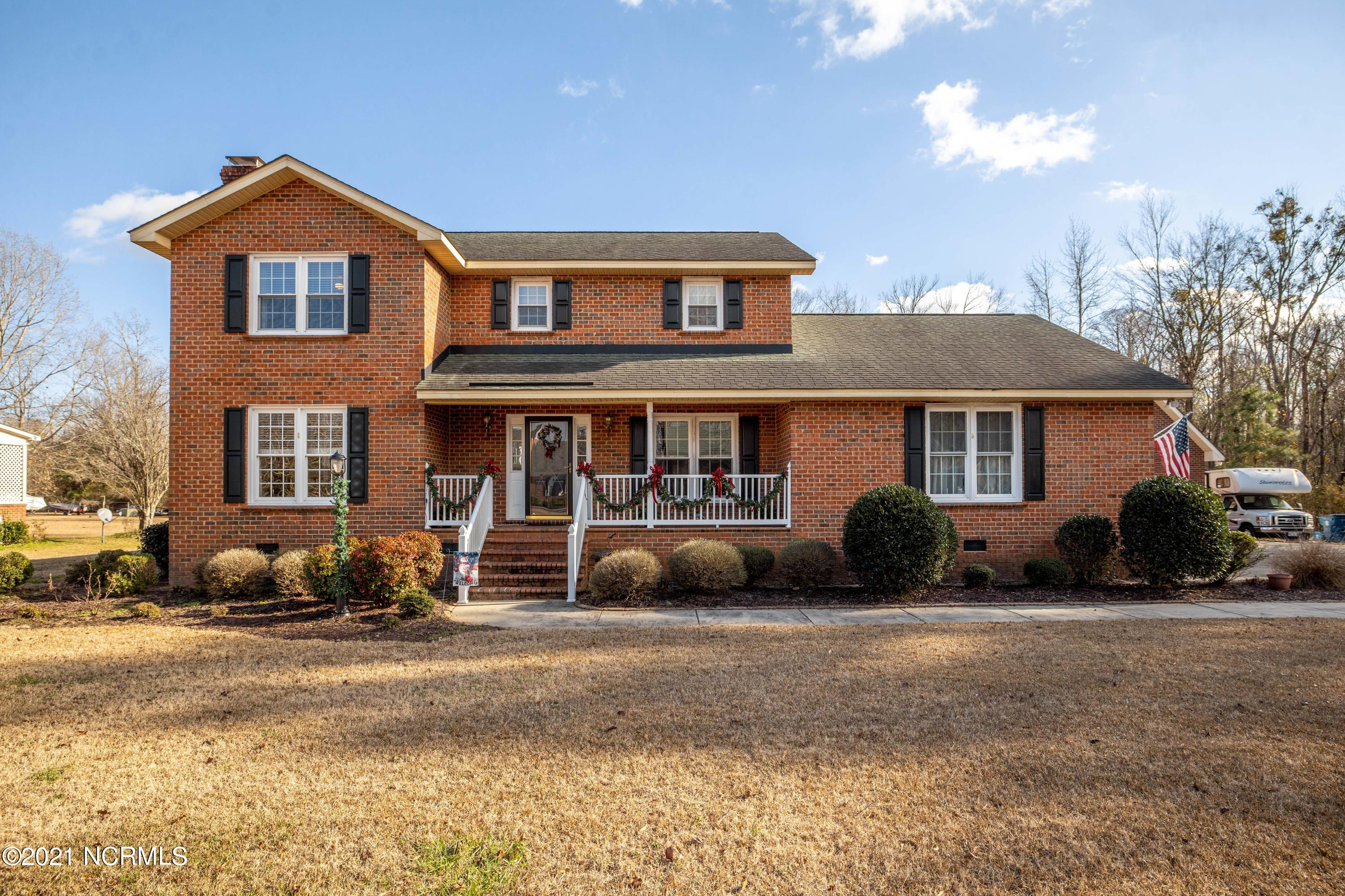 125 River Road, Plymouth, North Carolina 27962, 3 Bedrooms Bedrooms, 8 Rooms Rooms,2 BathroomsBathrooms,Single family residence,For sale,River,100248814
