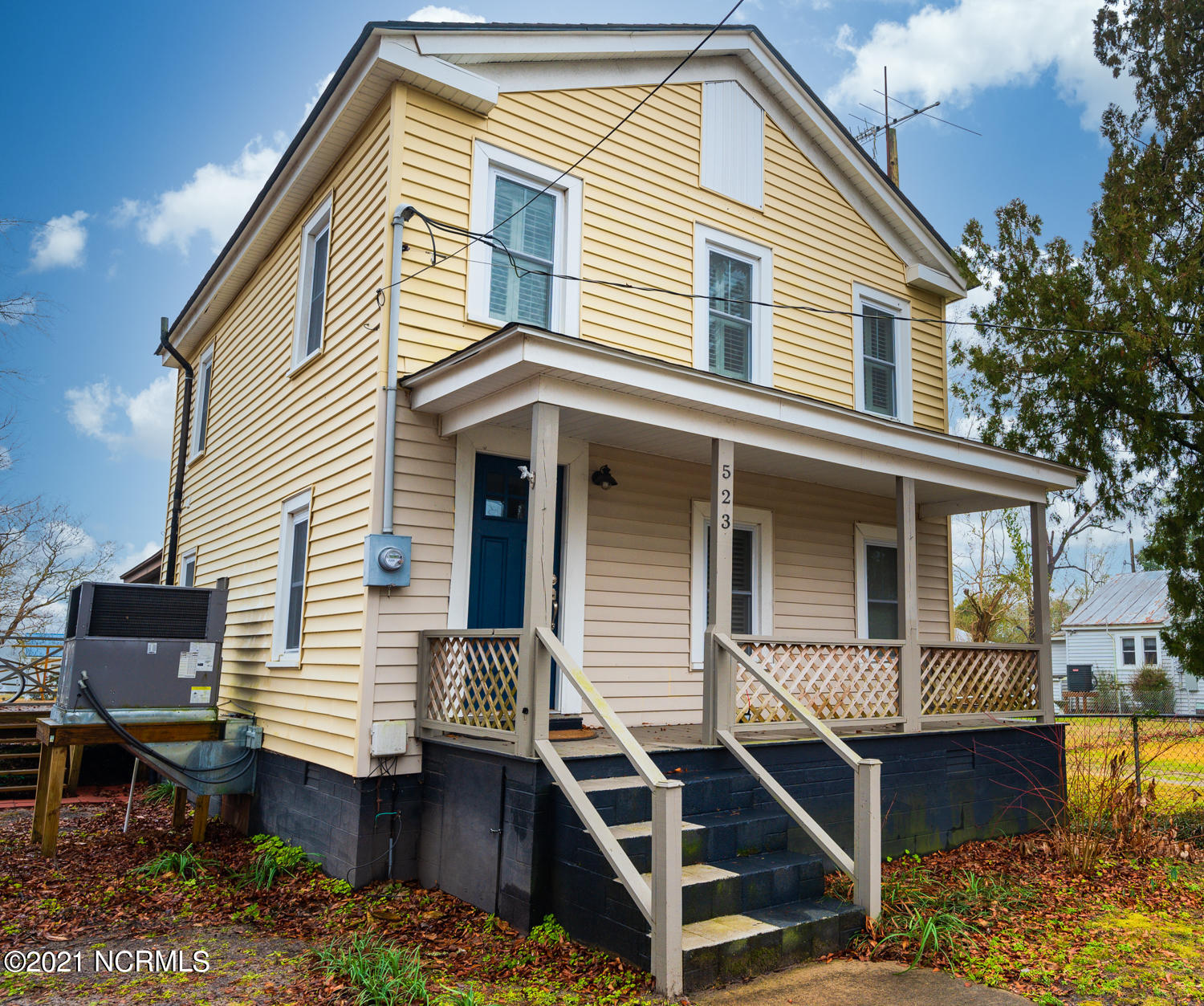 523 B Street, Bridgeton, North Carolina 28519, 3 Bedrooms Bedrooms, 7 Rooms Rooms,1 BathroomBathrooms,Single family residence,For sale,B,100250820