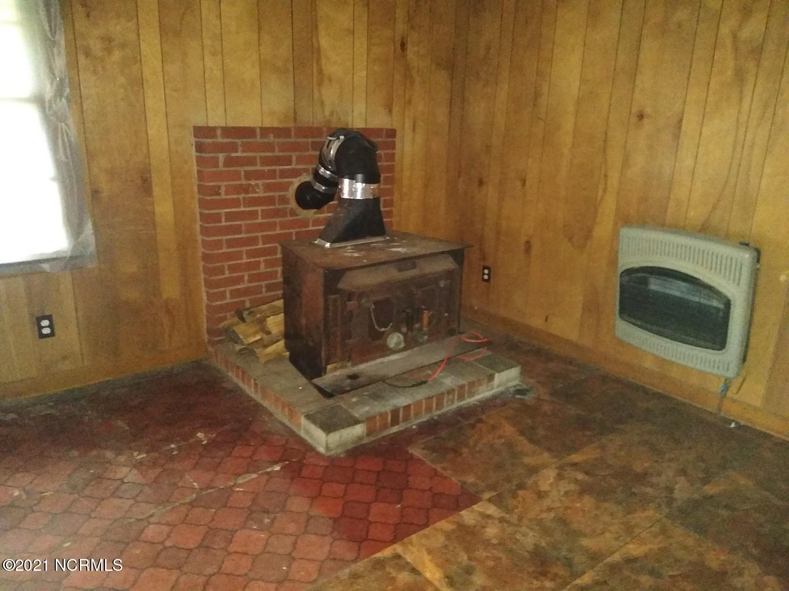 100 Haines Street, Williamston, North Carolina 27892, 3 Bedrooms Bedrooms, 5 Rooms Rooms,1 BathroomBathrooms,Single family residence,For sale,Haines,100157289