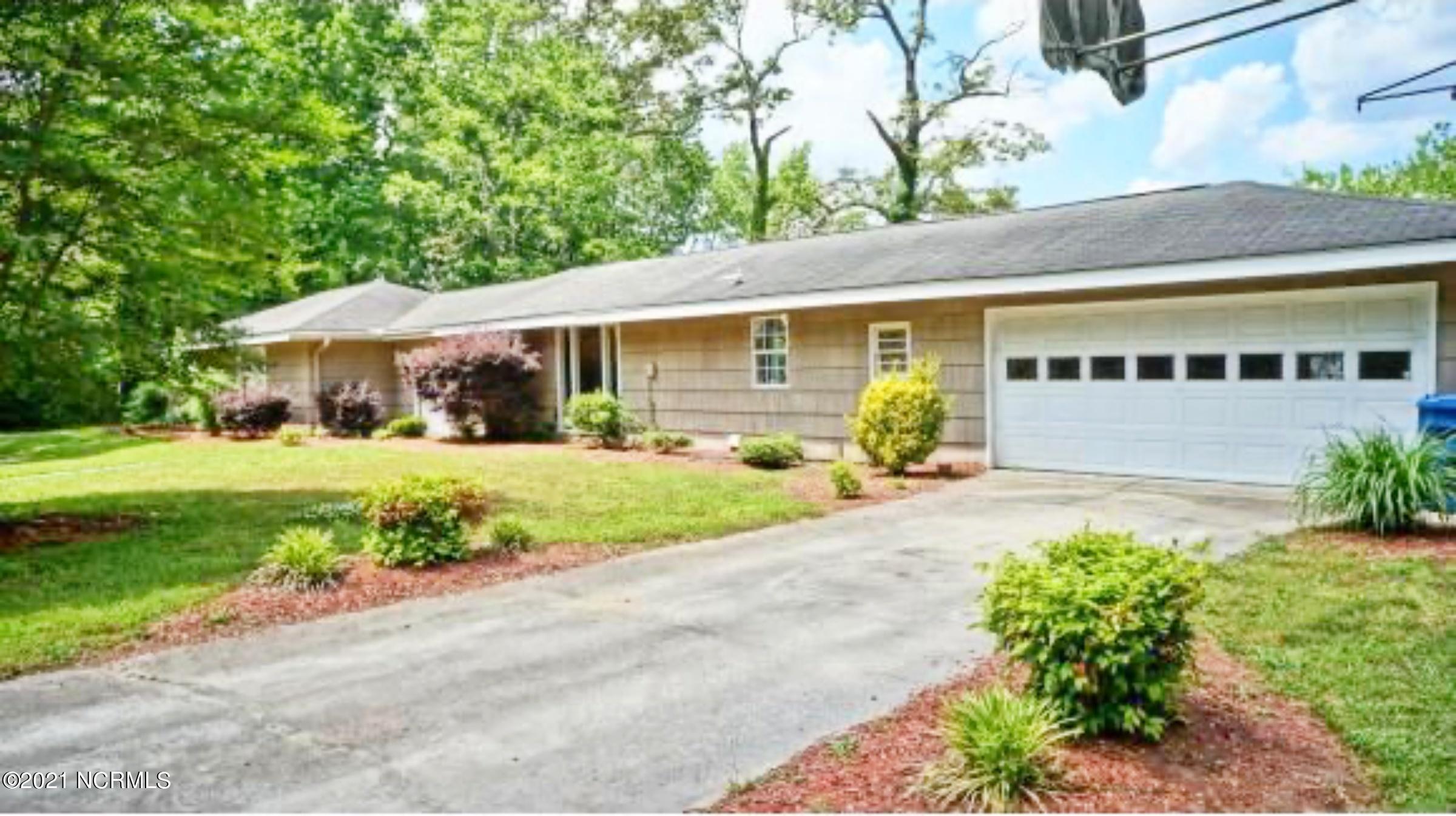 2331 Chinquapin Road, New Bern, North Carolina 28562, 2 Bedrooms Bedrooms, 9 Rooms Rooms,2 BathroomsBathrooms,Single family residence,For sale,Chinquapin,100227985