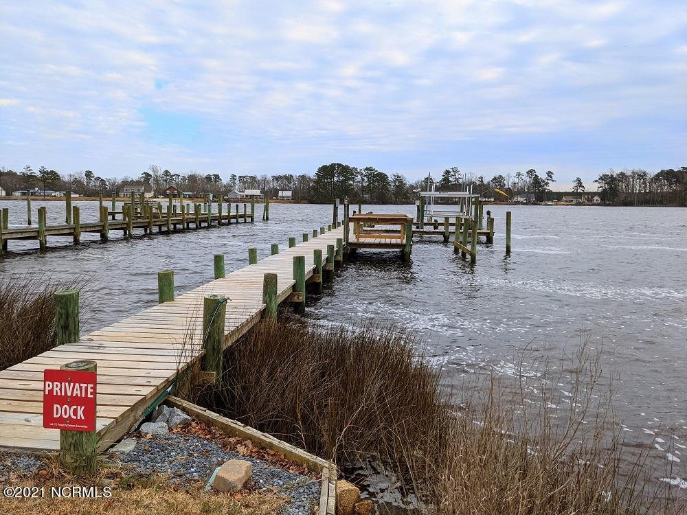 The Moorings Lot 11 Private Dock (3)