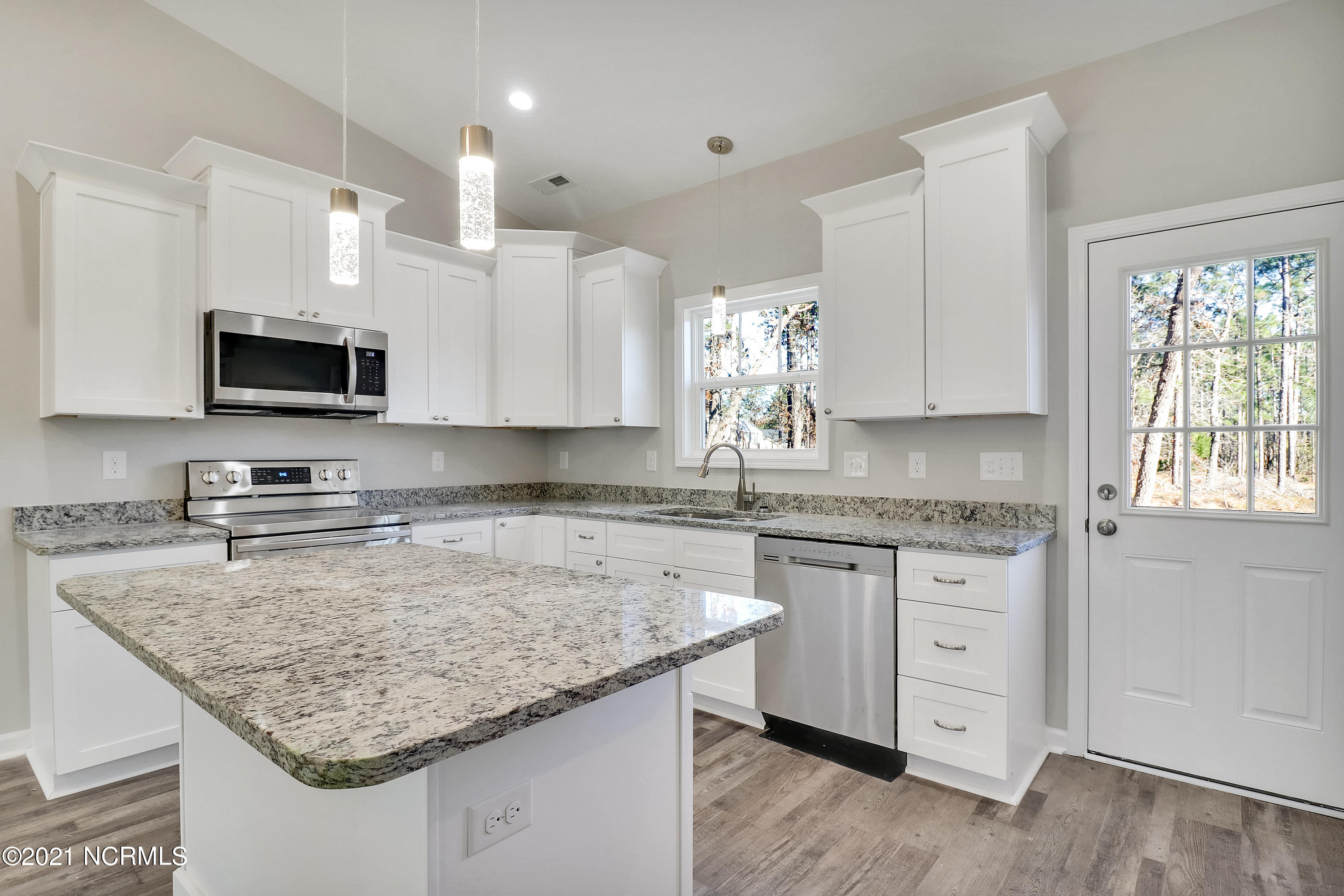 2618 Brittle Star Circle, Supply, North Carolina 28462, 3 Bedrooms Bedrooms, 8 Rooms Rooms,2 BathroomsBathrooms,Single family residence,For sale,Brittle Star,100255895