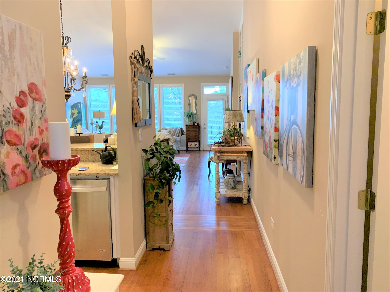 586 Lakeland Drive, Kinston, North Carolina 28504, 2 Bedrooms Bedrooms, 4 Rooms Rooms,2 BathroomsBathrooms,Townhouse,For sale,Lakeland,100259808