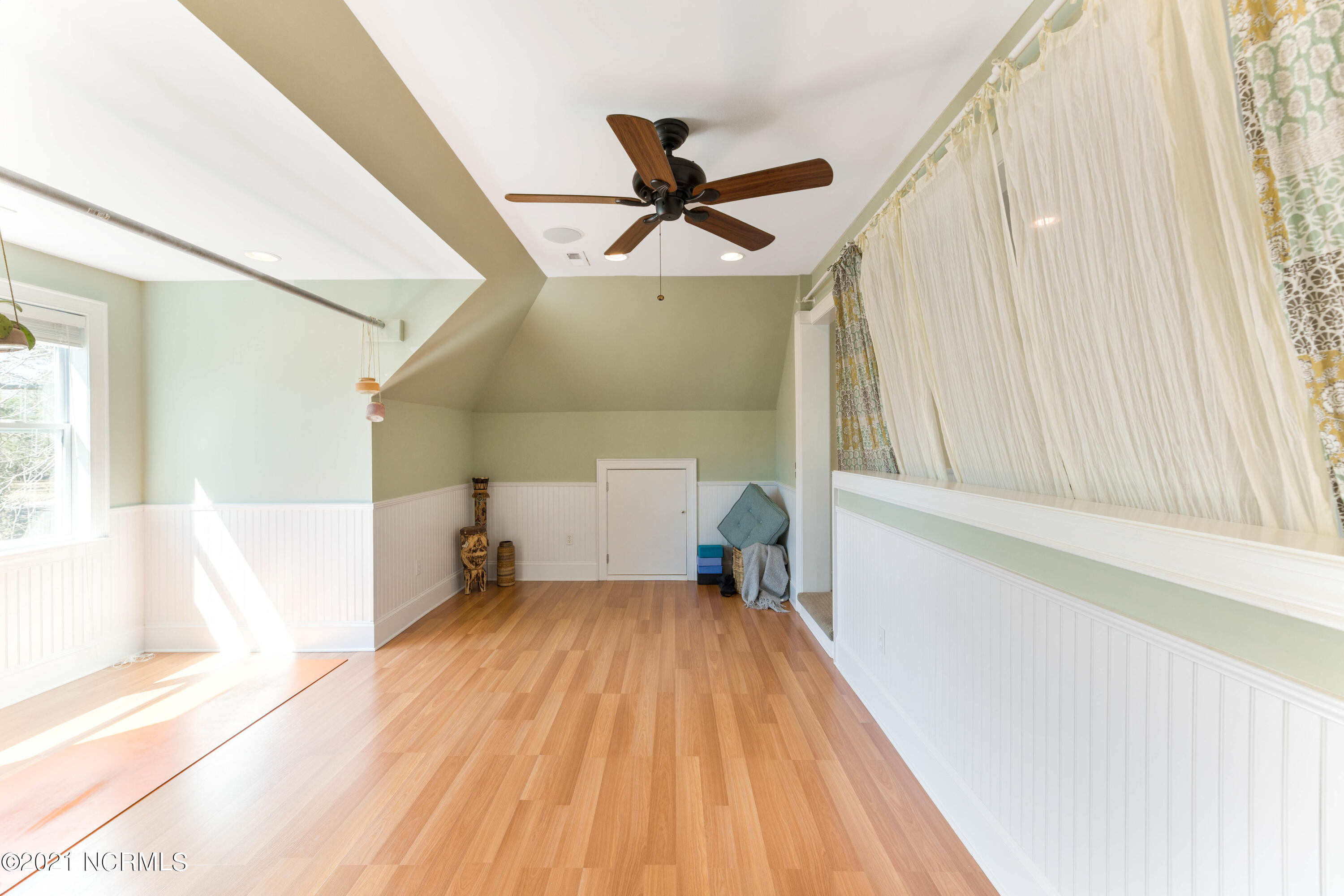 904 Twisted Oak Place, Wilmington, North Carolina 28405, 4 Bedrooms Bedrooms, 12 Rooms Rooms,3 BathroomsBathrooms,Single family residence,For sale,Twisted Oak,100260285