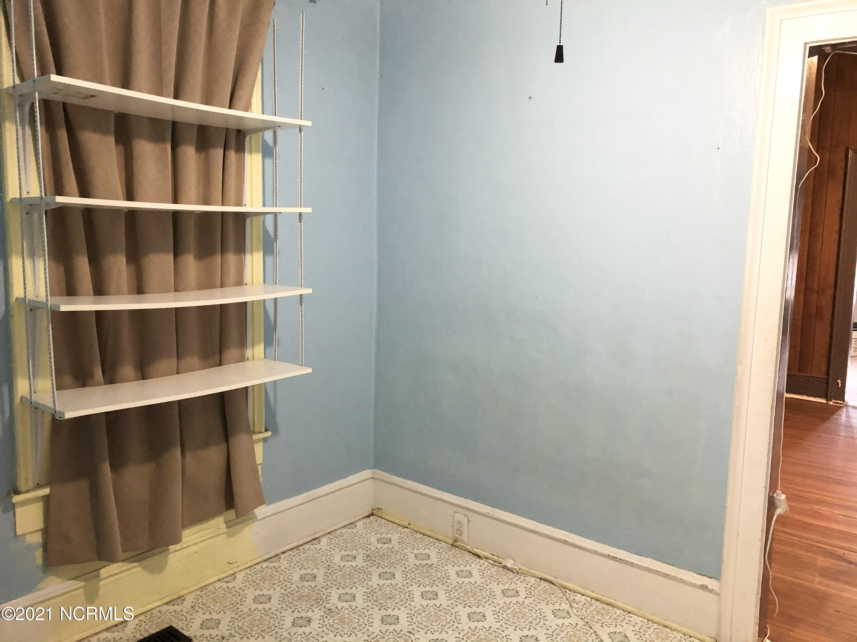 211 Elm Street, Bladenboro, North Carolina 28320, 4 Bedrooms Bedrooms, 8 Rooms Rooms,1 BathroomBathrooms,Single family residence,For sale,Elm,100260128