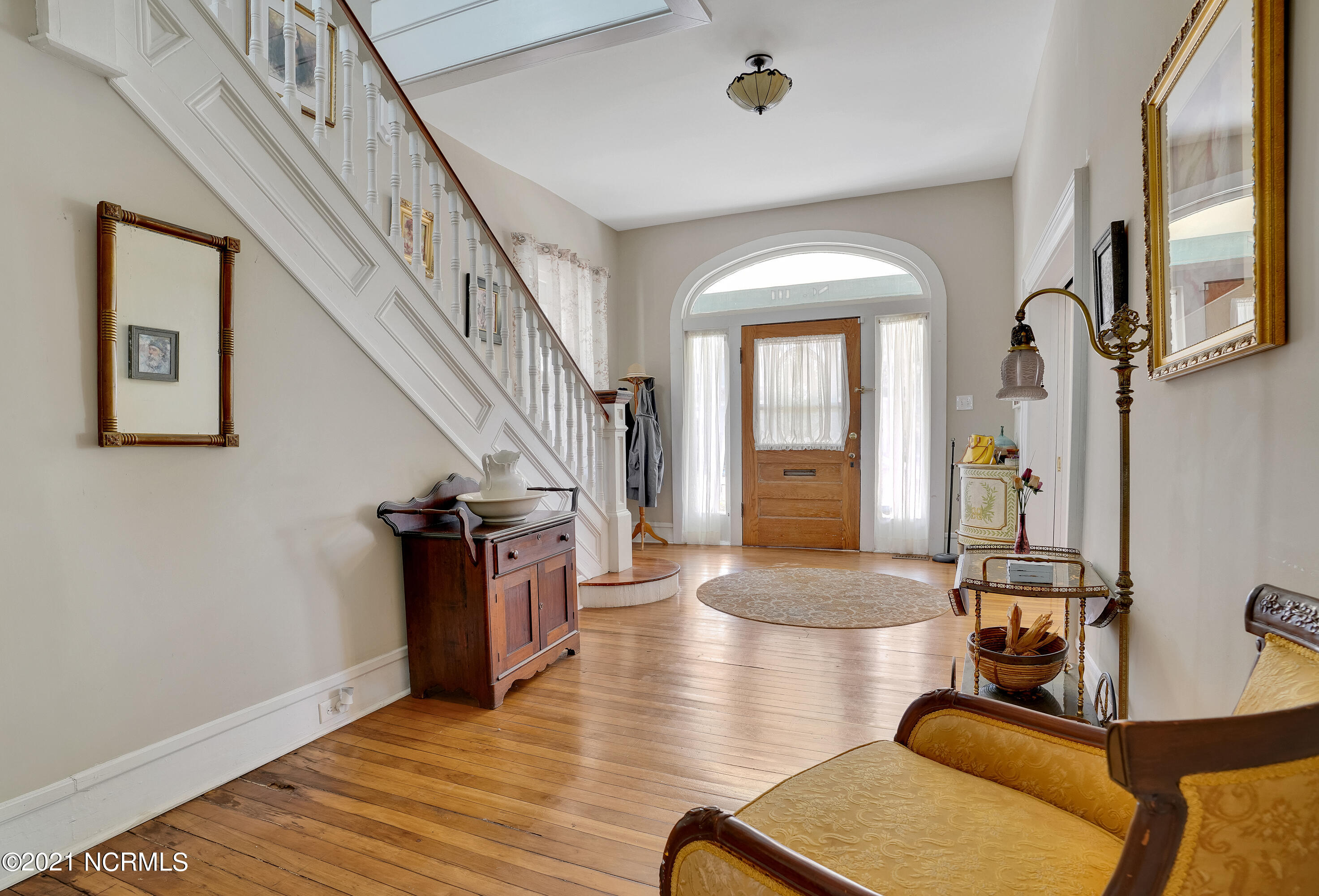 111 7th Street, Wilmington, North Carolina 28401, 4 Bedrooms Bedrooms, 10 Rooms Rooms,2 BathroomsBathrooms,Single family residence,For sale,7th,100260641