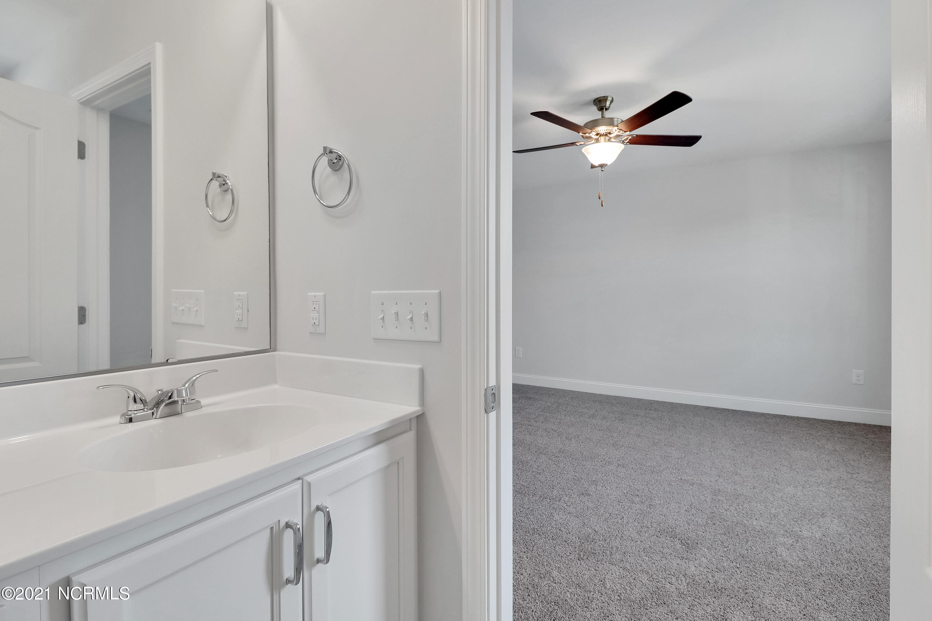 393 Trevally Court, Southport, North Carolina 28461, 3 Bedrooms Bedrooms, 6 Rooms Rooms,2 BathroomsBathrooms,Townhouse,For sale,Trevally,100260191