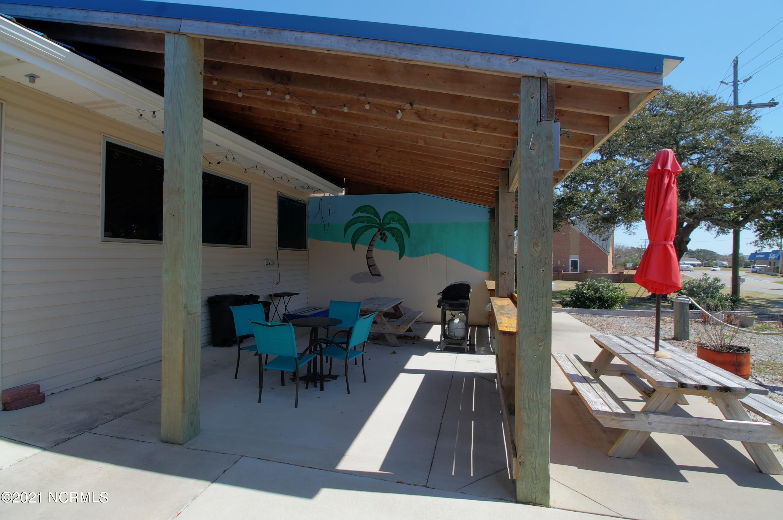 989 Island Road, Harkers Island, North Carolina 28531, ,Duplex,For sale,Island,100260563