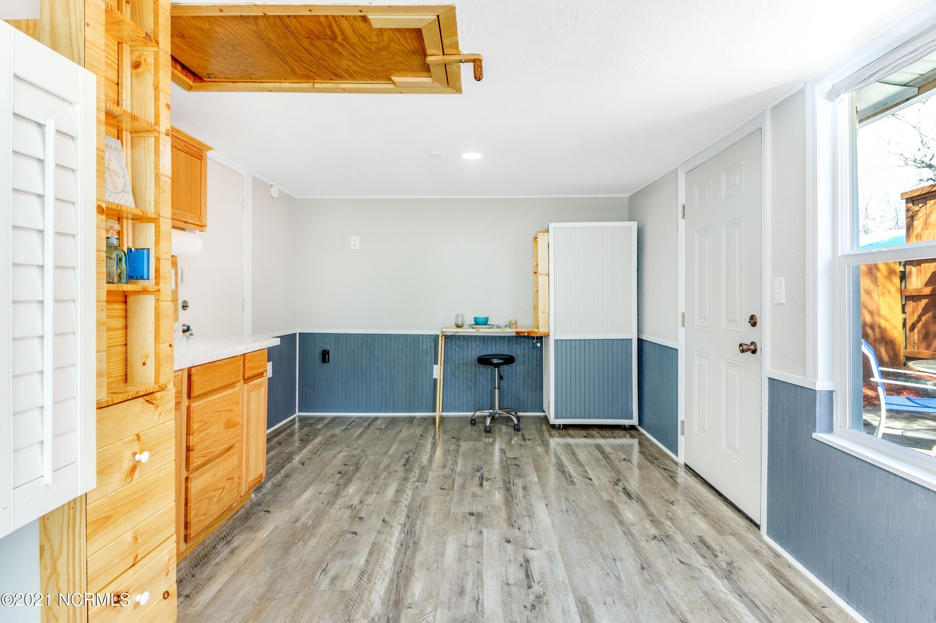1307 3rd Street, Wilmington, North Carolina 28401, 2 Bedrooms Bedrooms, 5 Rooms Rooms,1 BathroomBathrooms,Single family residence,For sale,3rd,100260649